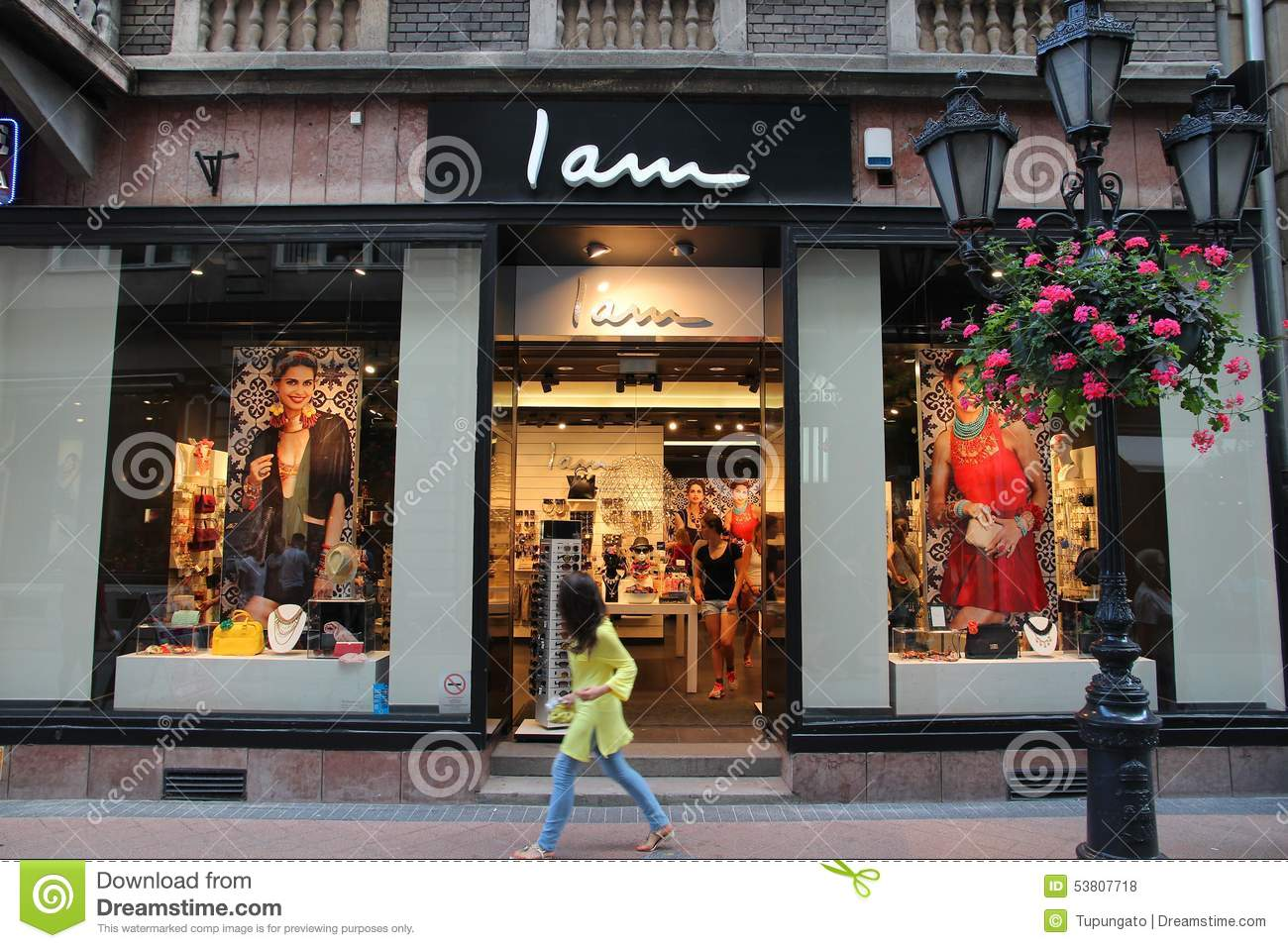 I.am clothing online store