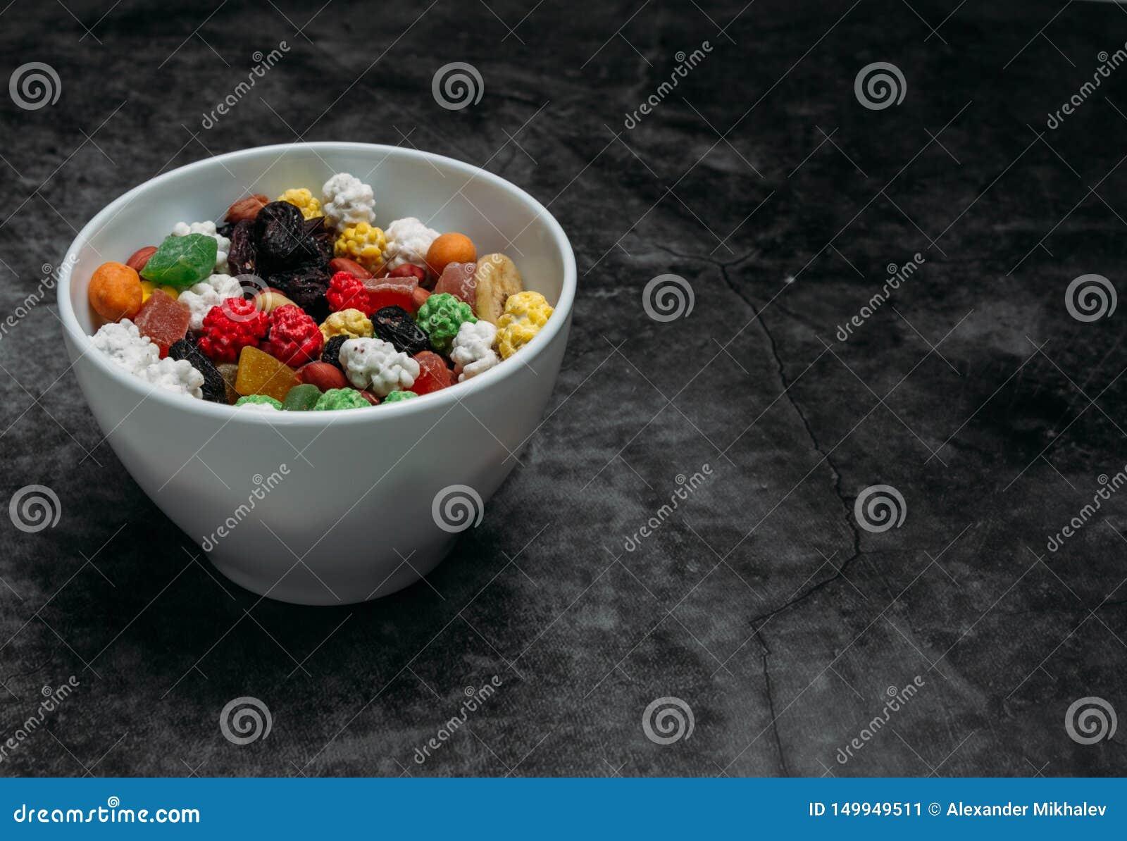I frutti secchi sulla tavola