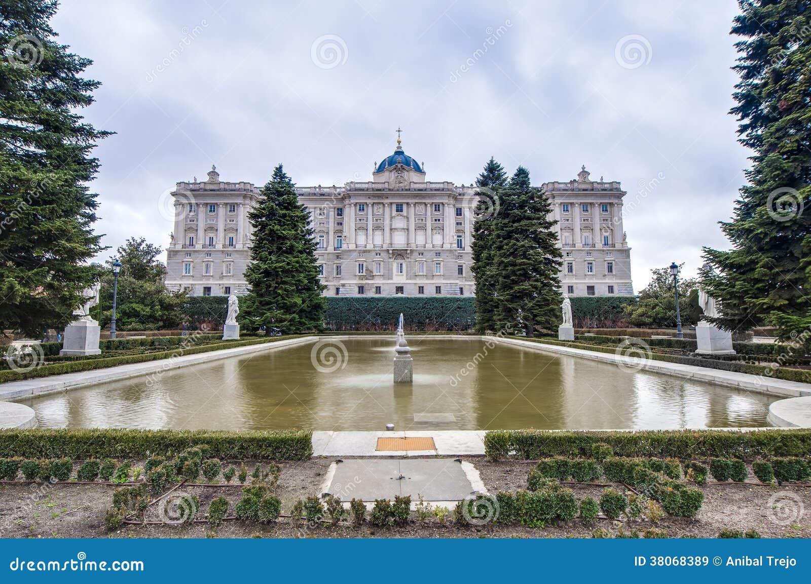 I giardini di sabatini a madrid spagna immagine stock for Architetto italiano famoso
