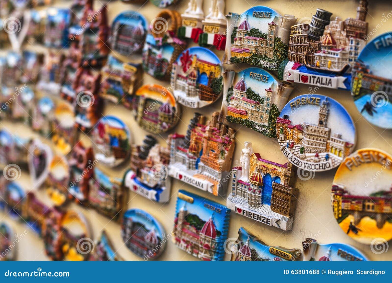 I magneti turistici di Firenze hanno venduto al dettaglio
