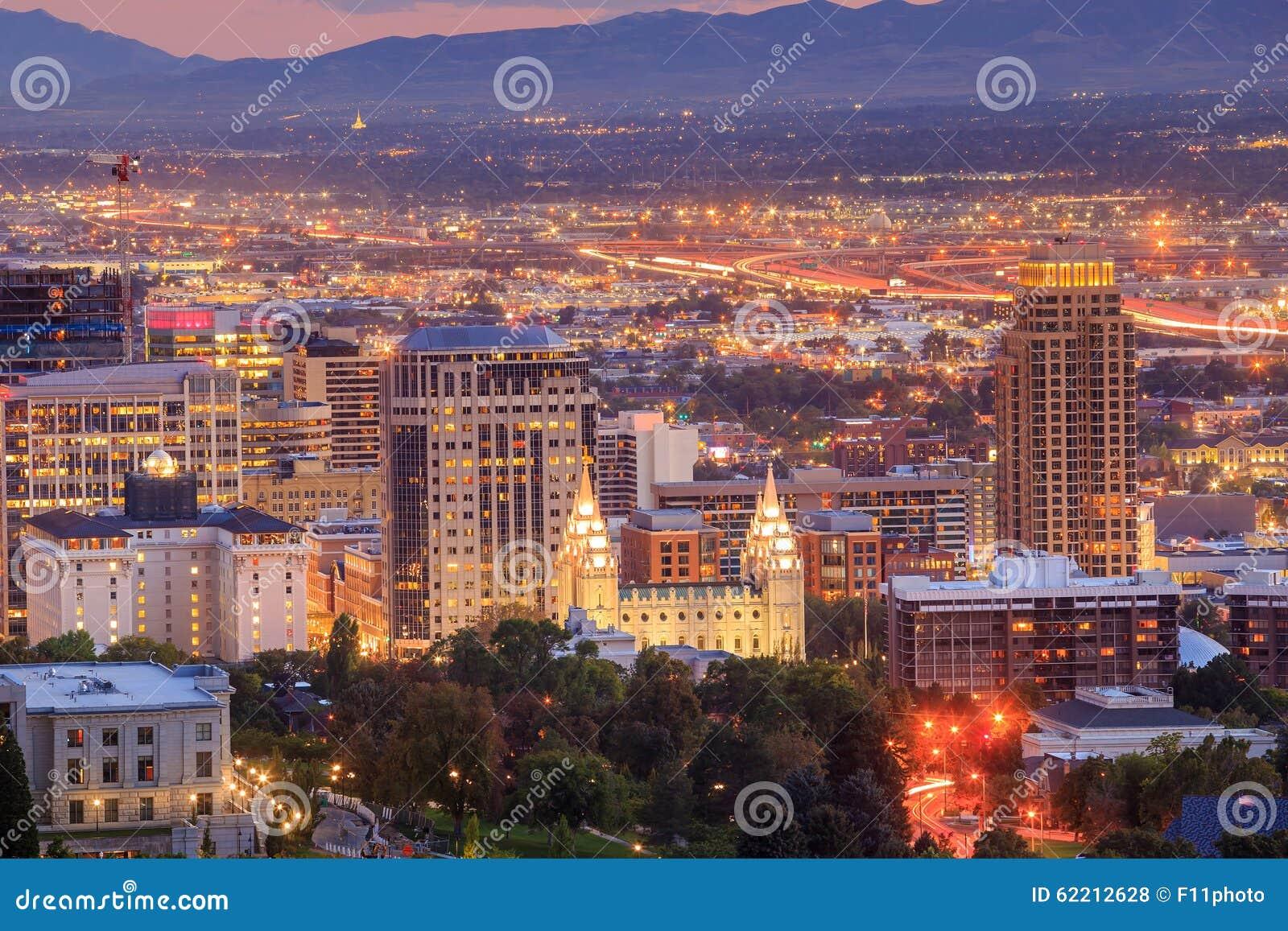 I stadens centrum Salt Lake City, Utah på natten