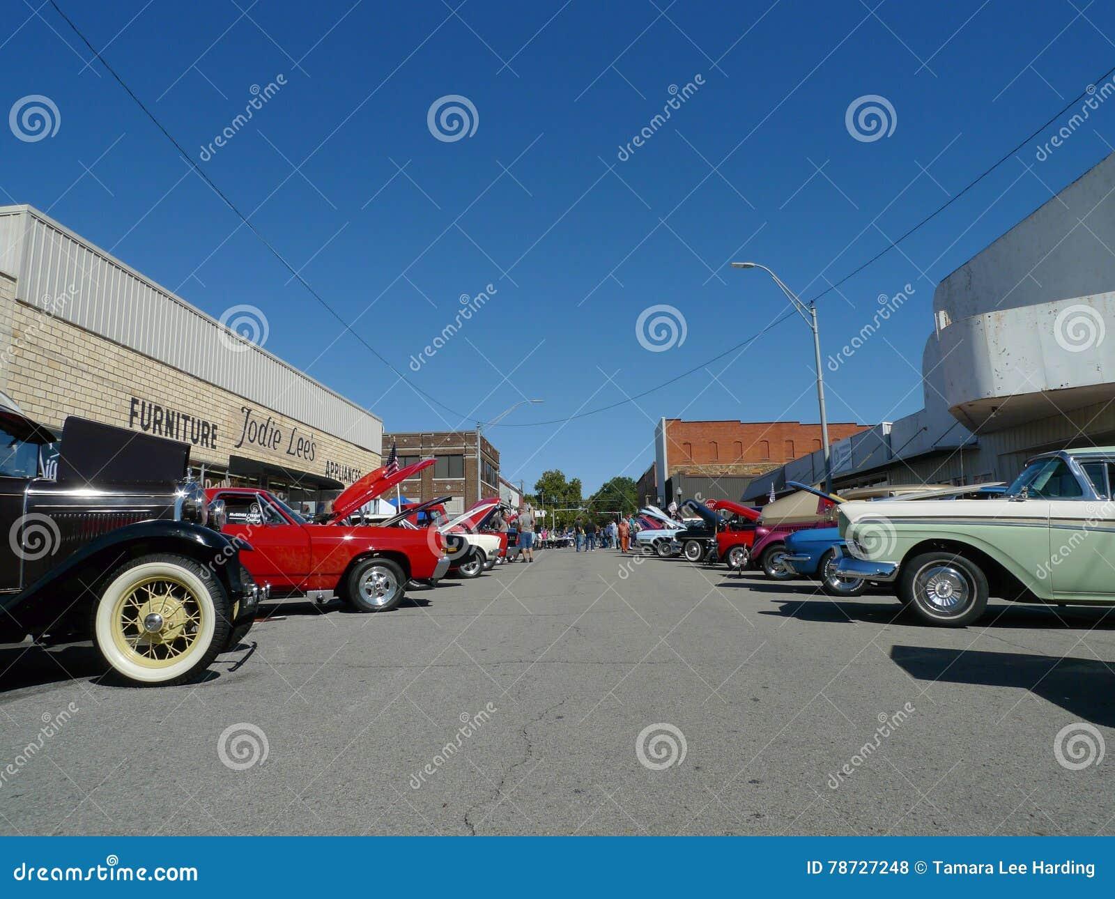 I stadens centrum sikt av bilshowen