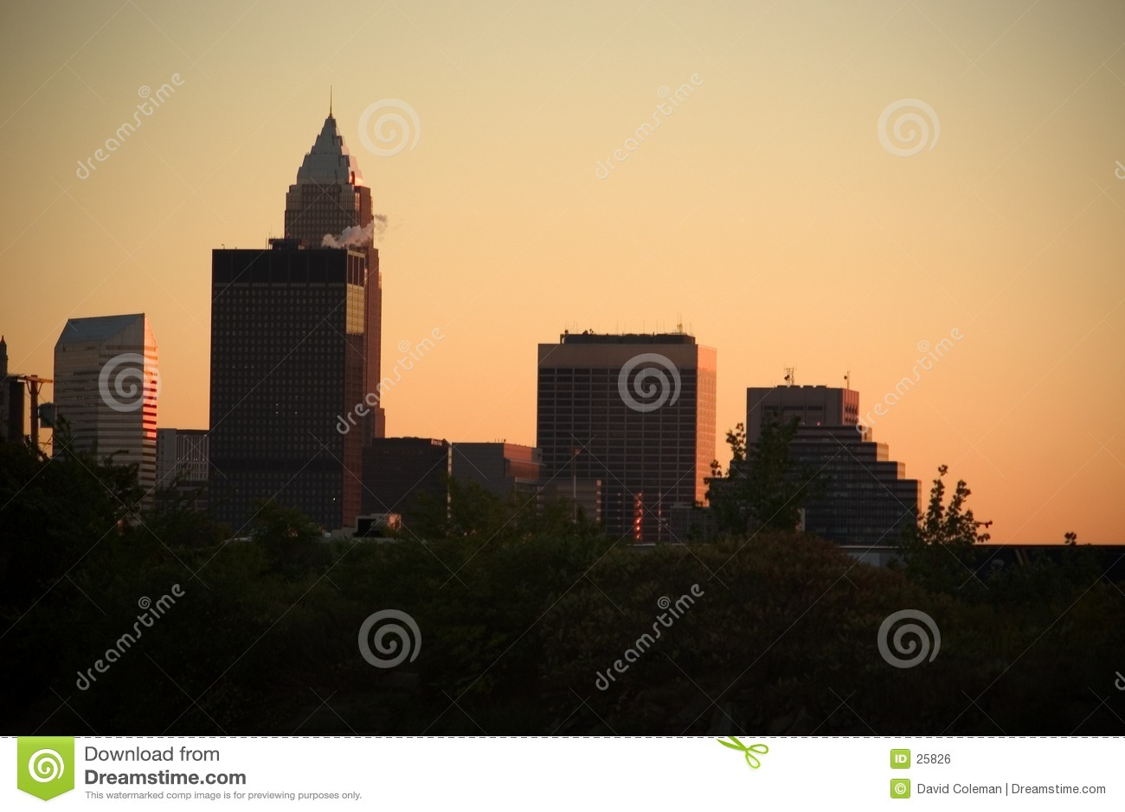 I stadens centrum solnedgång