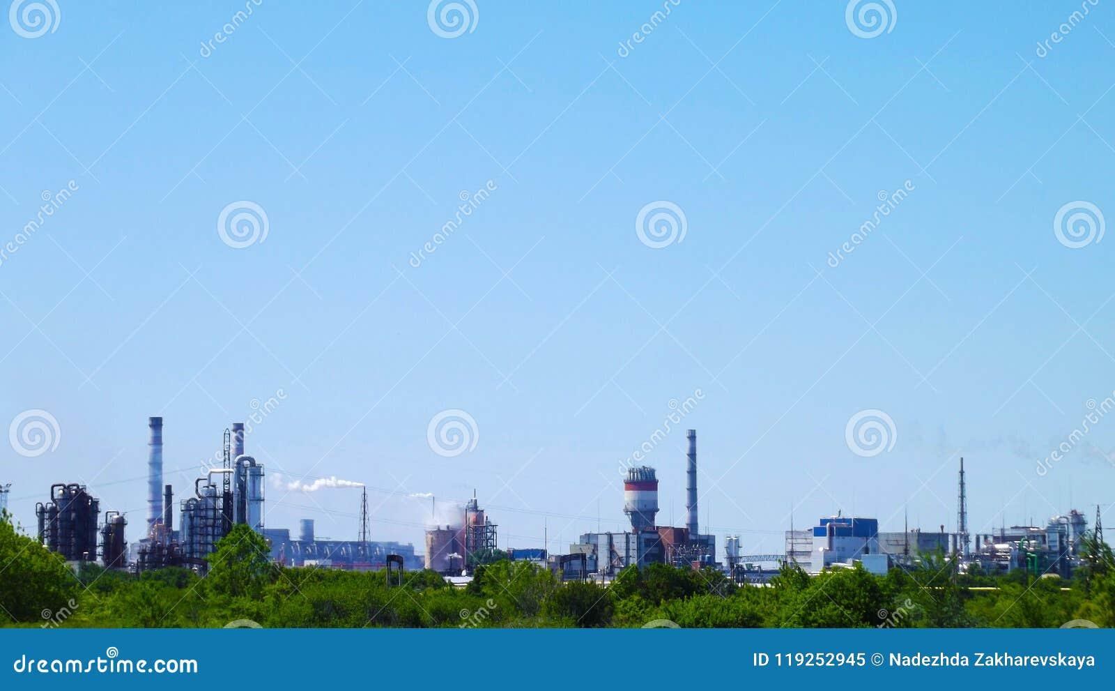 I tubi di uno stabilimento chimico