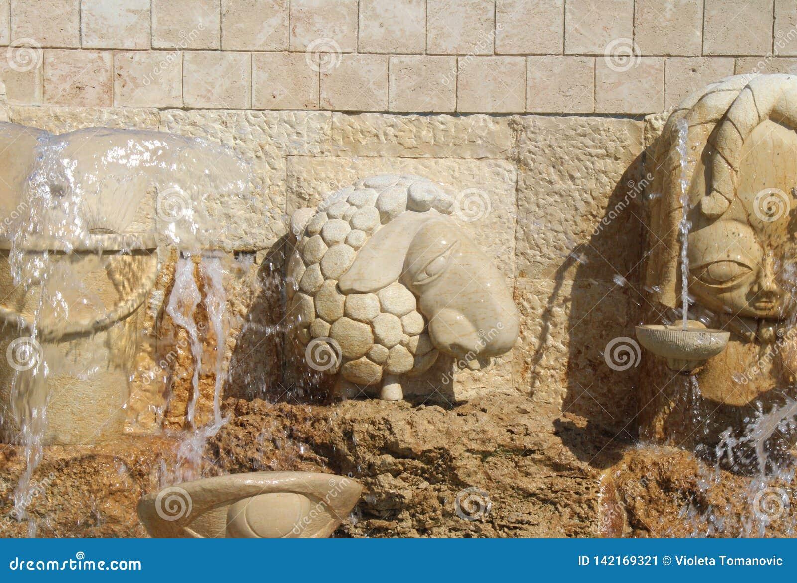 I vicoli dello zodiaco, segni astrologici della fontana, vecchia città di Giaffa, Tel Aviv