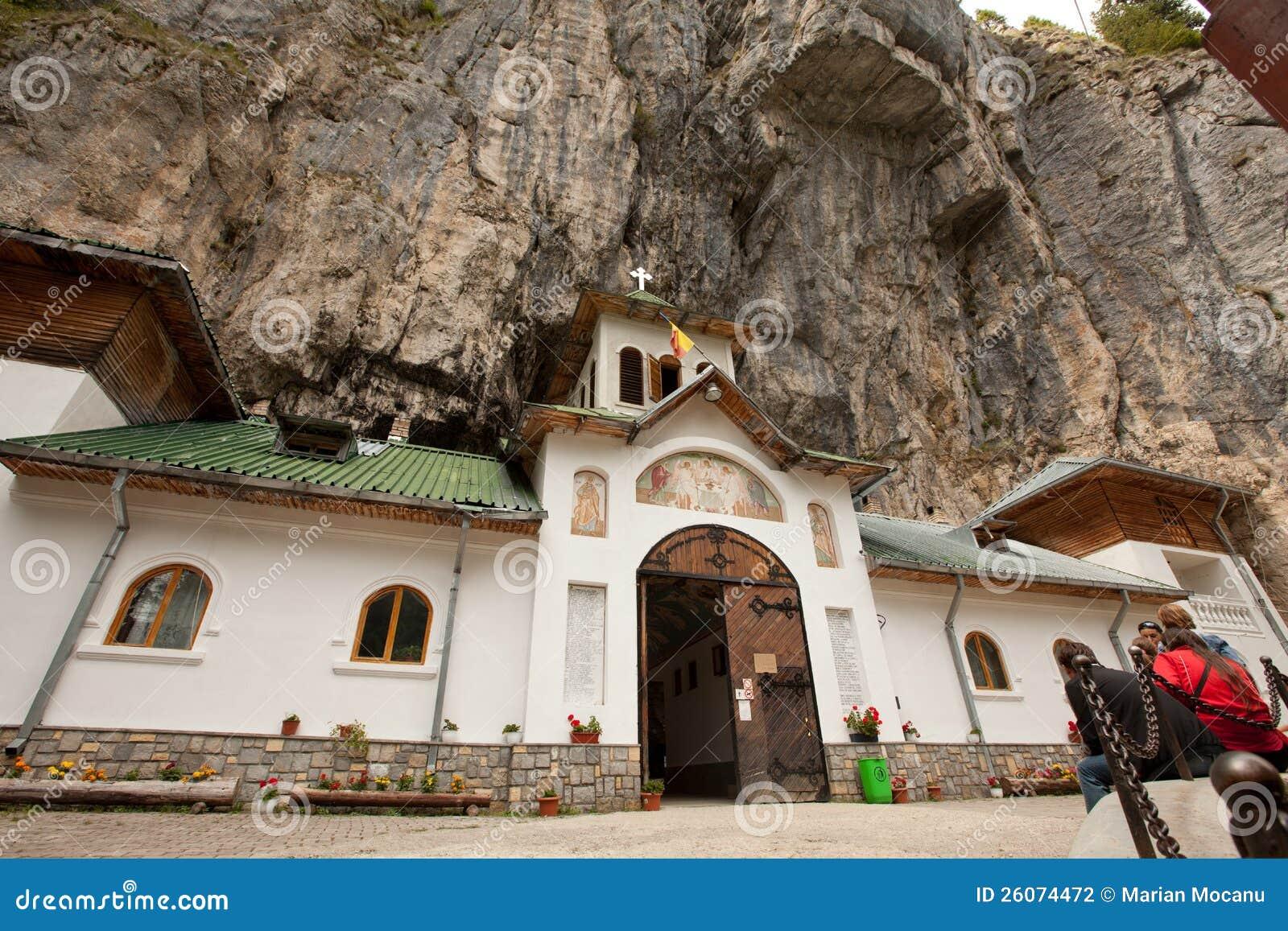 Ialomita cave monastery