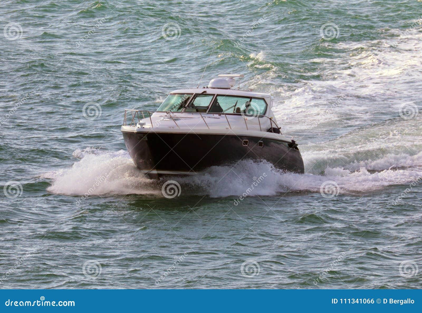 Iate luxuoso da vida no barco de Miami Beach Florida as Caraíbas