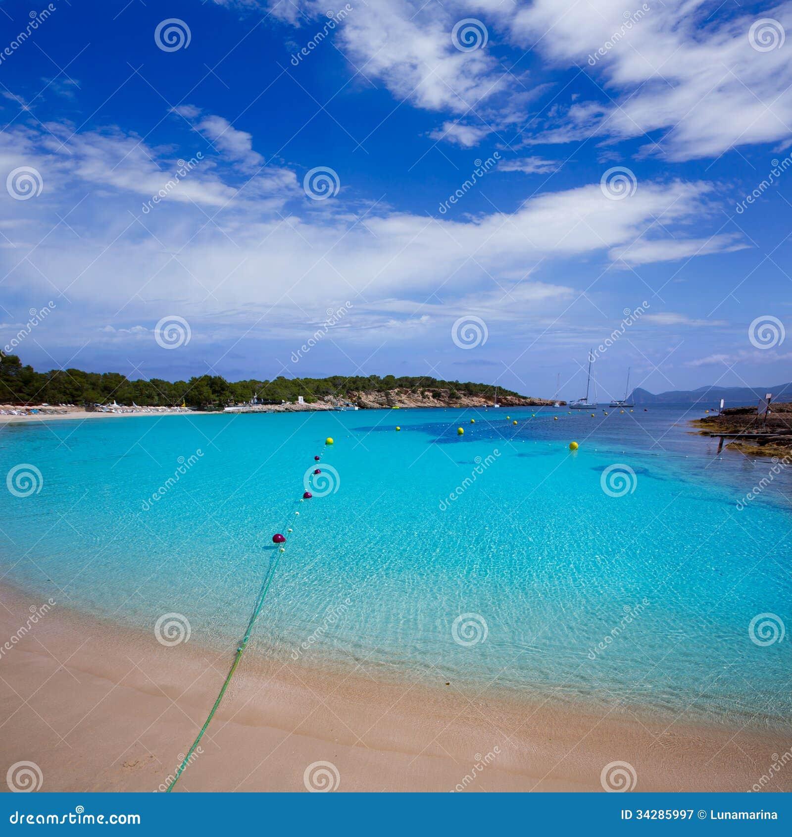 Ibiza Cala Bassa strand med medelhavs- turkos