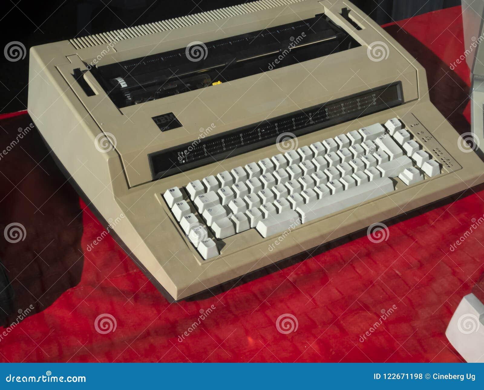 IBM maszyna do pisania elektroniczna maszyna