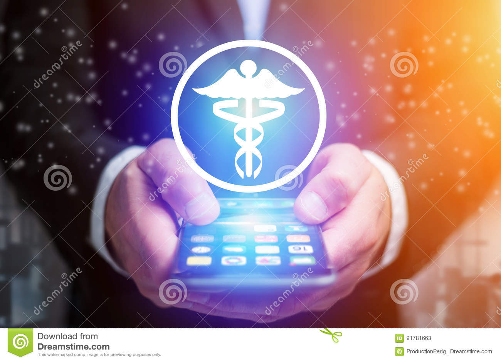 Icône de pharmacie sortant une interface de smartphone d un homme d affaires