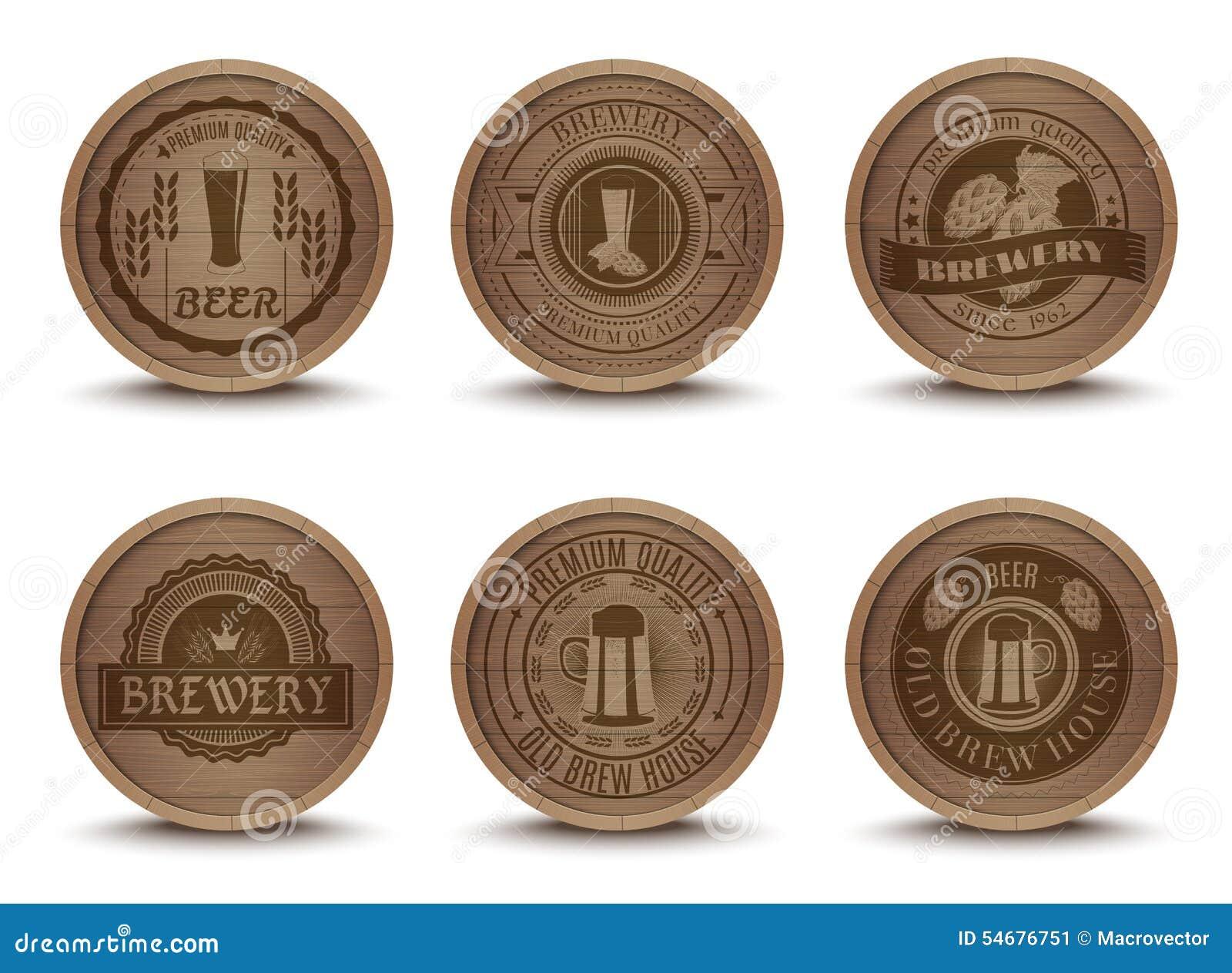 Icônes en bois de tapis d emblèmes de bière réglées