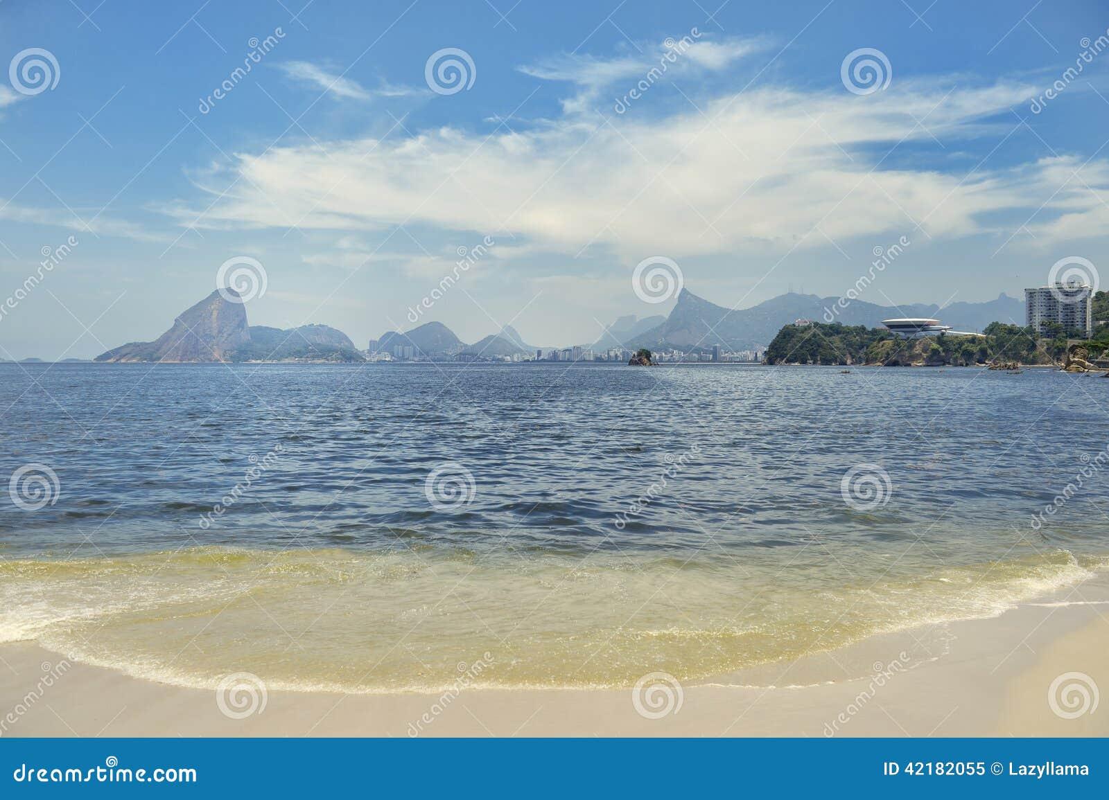 Icarai plaży Niteroi Rio De Janeiro Brazylia Guanabara zatoka