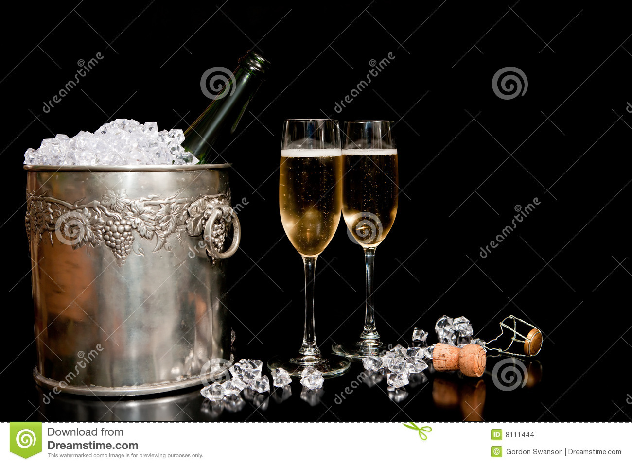 Ice bucket and champagne