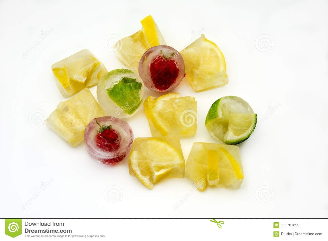 Ice cubes with lemons and strawberries