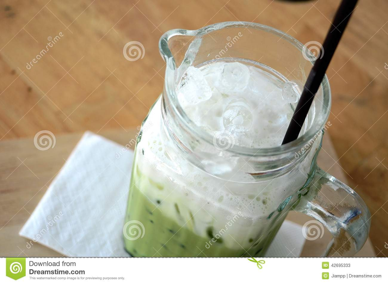 Ice green tea in glass