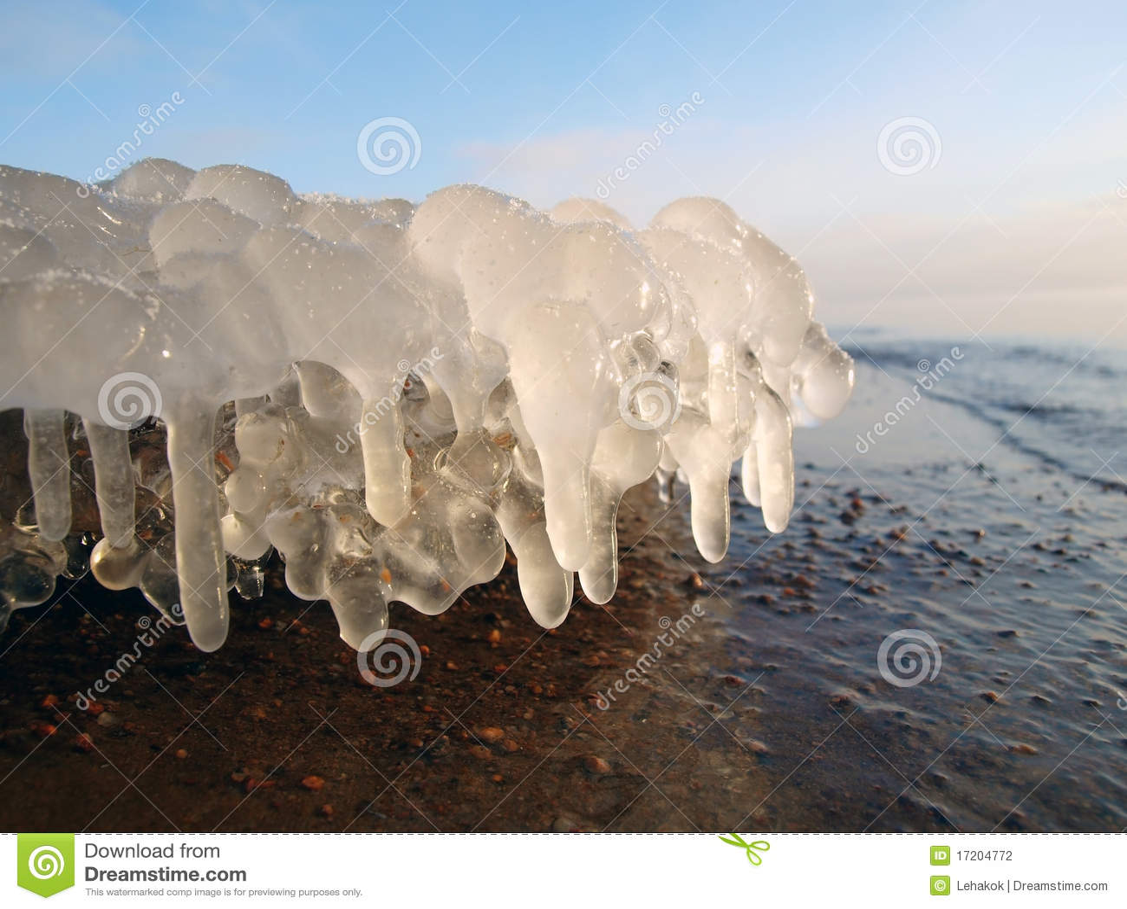 Ice stalactites
