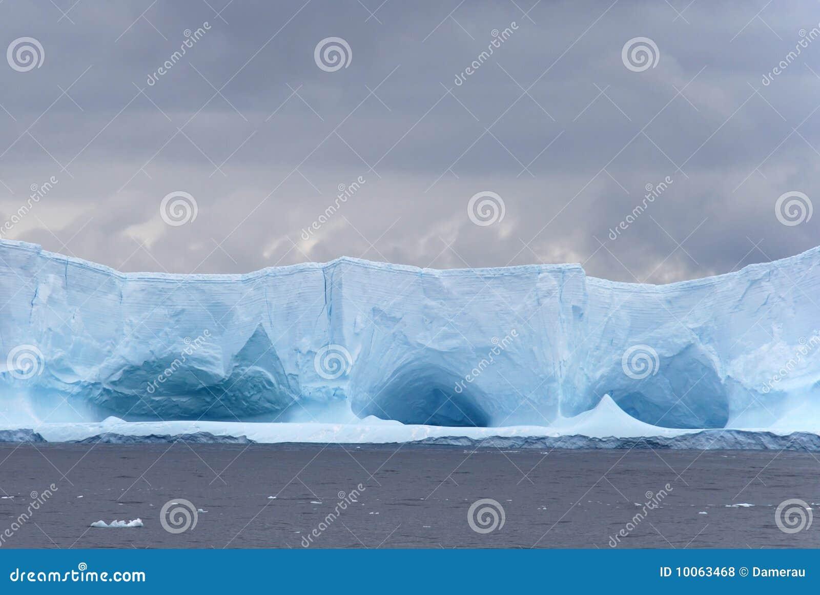 Iceberg desabado