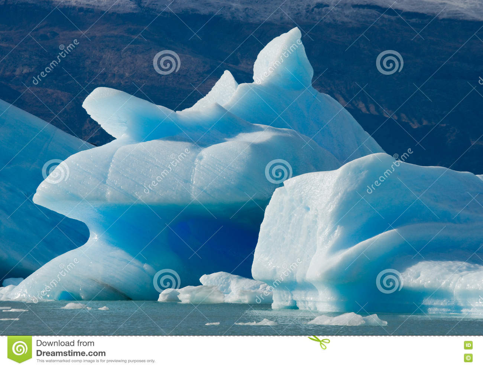 Iceberg nell acqua, il ghiacciaio Perito Moreno l argentina