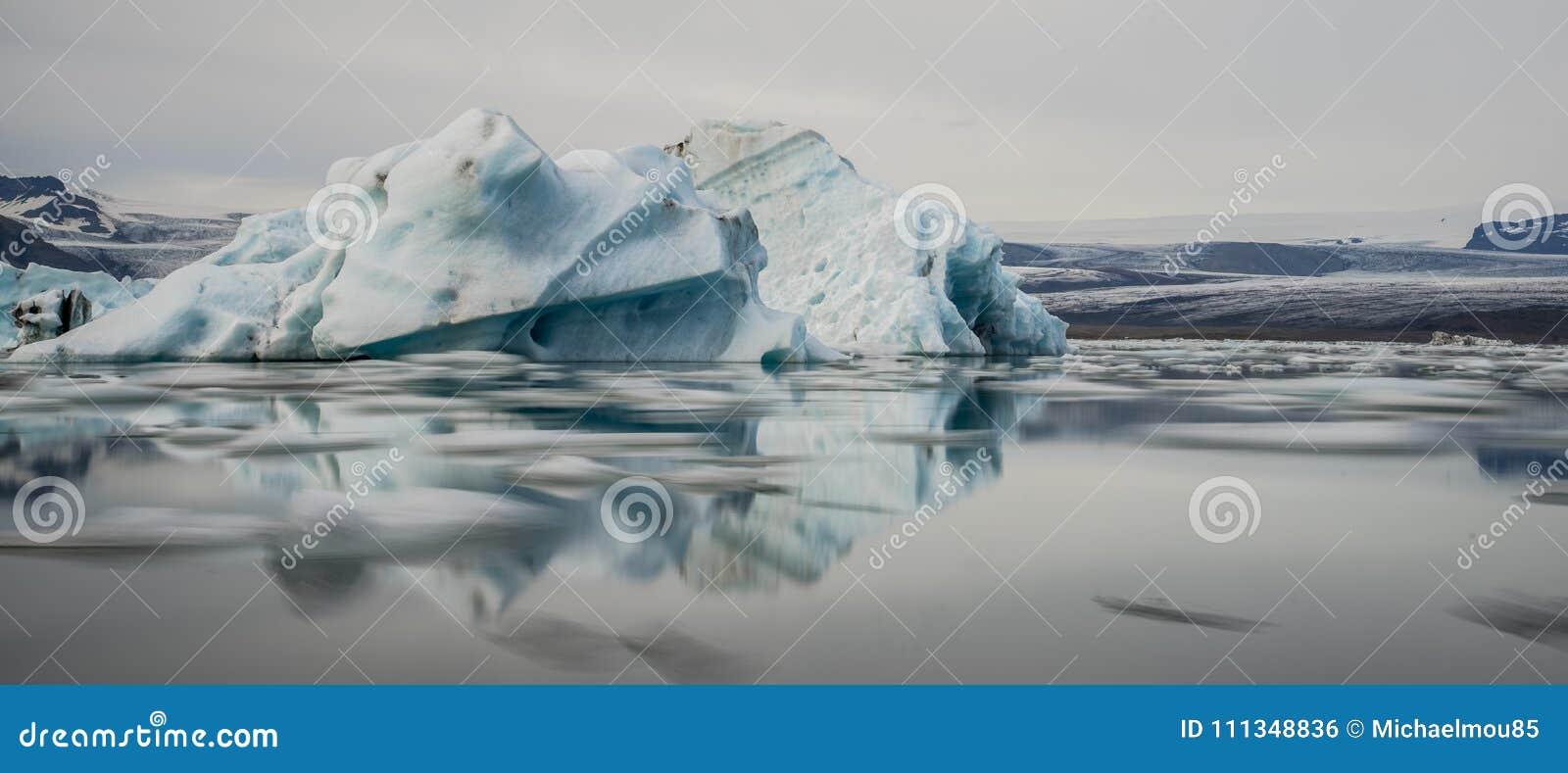 Icebergs in Jokulsarlon lagoon. Iceland