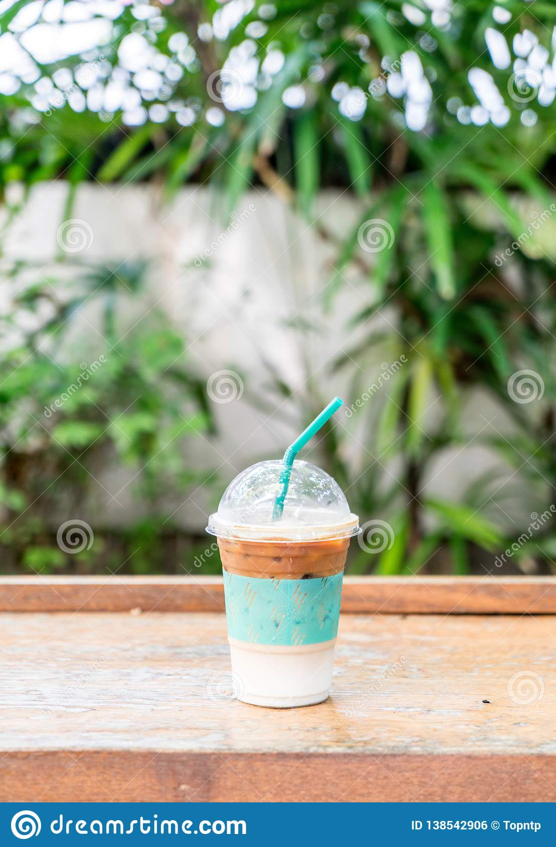 iced expresso coffee