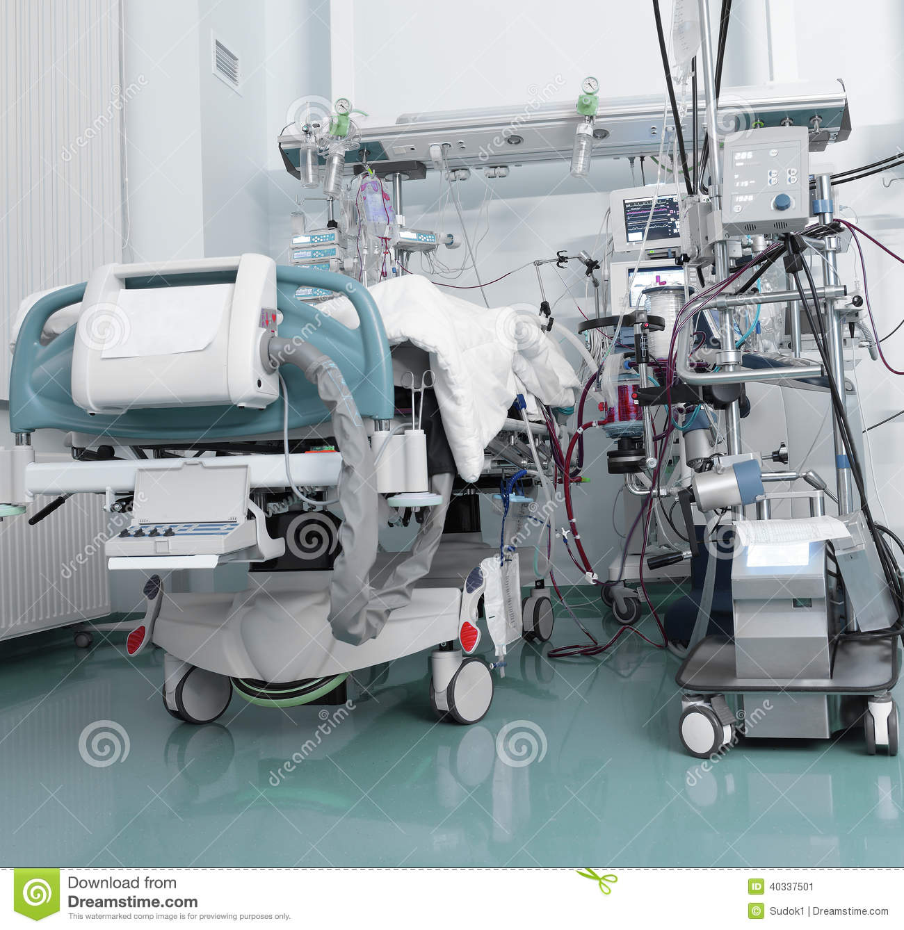 intensive care nurse pictures posters news and videos