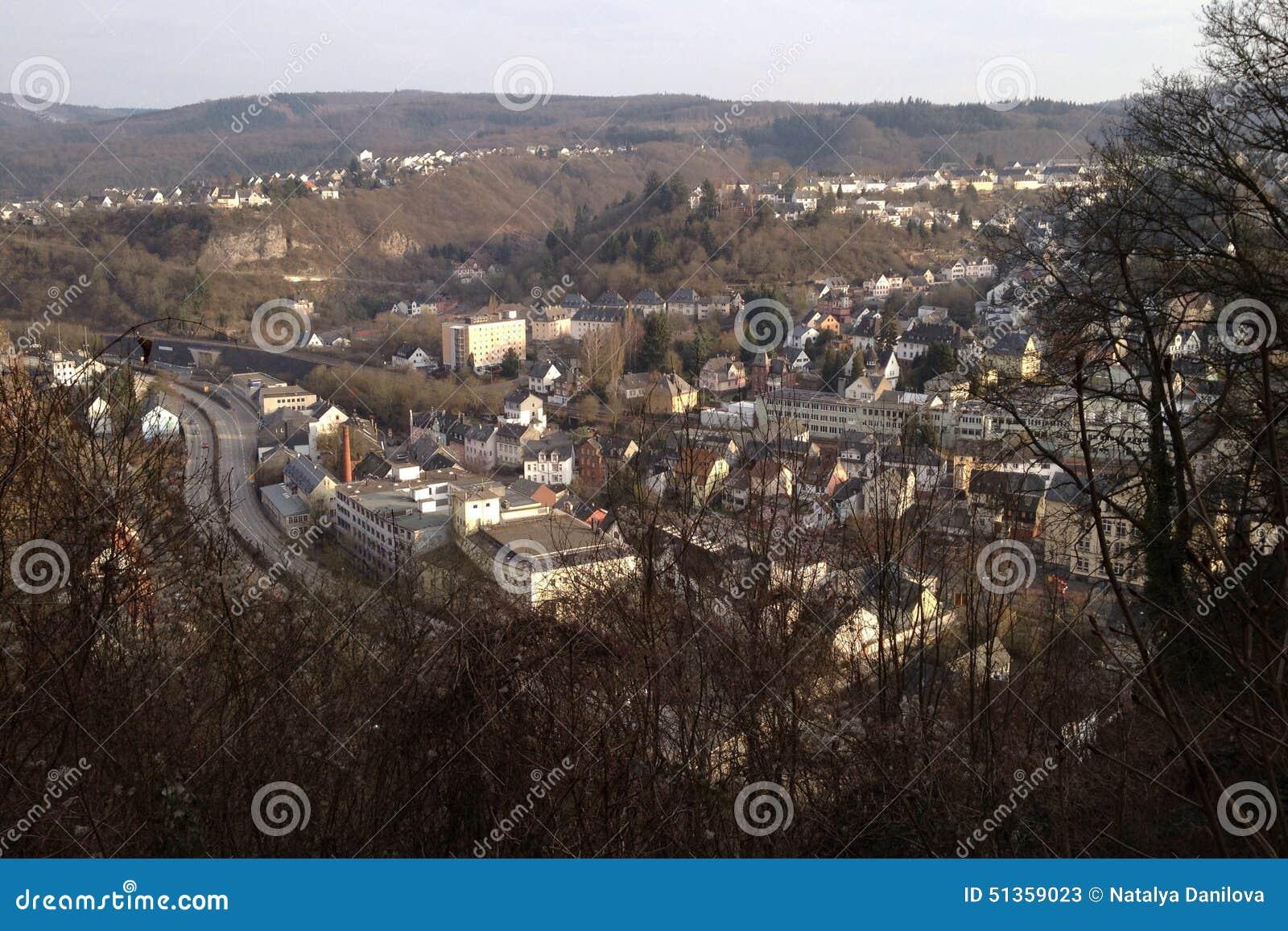Idar-Oberstein con una veduta panoramica