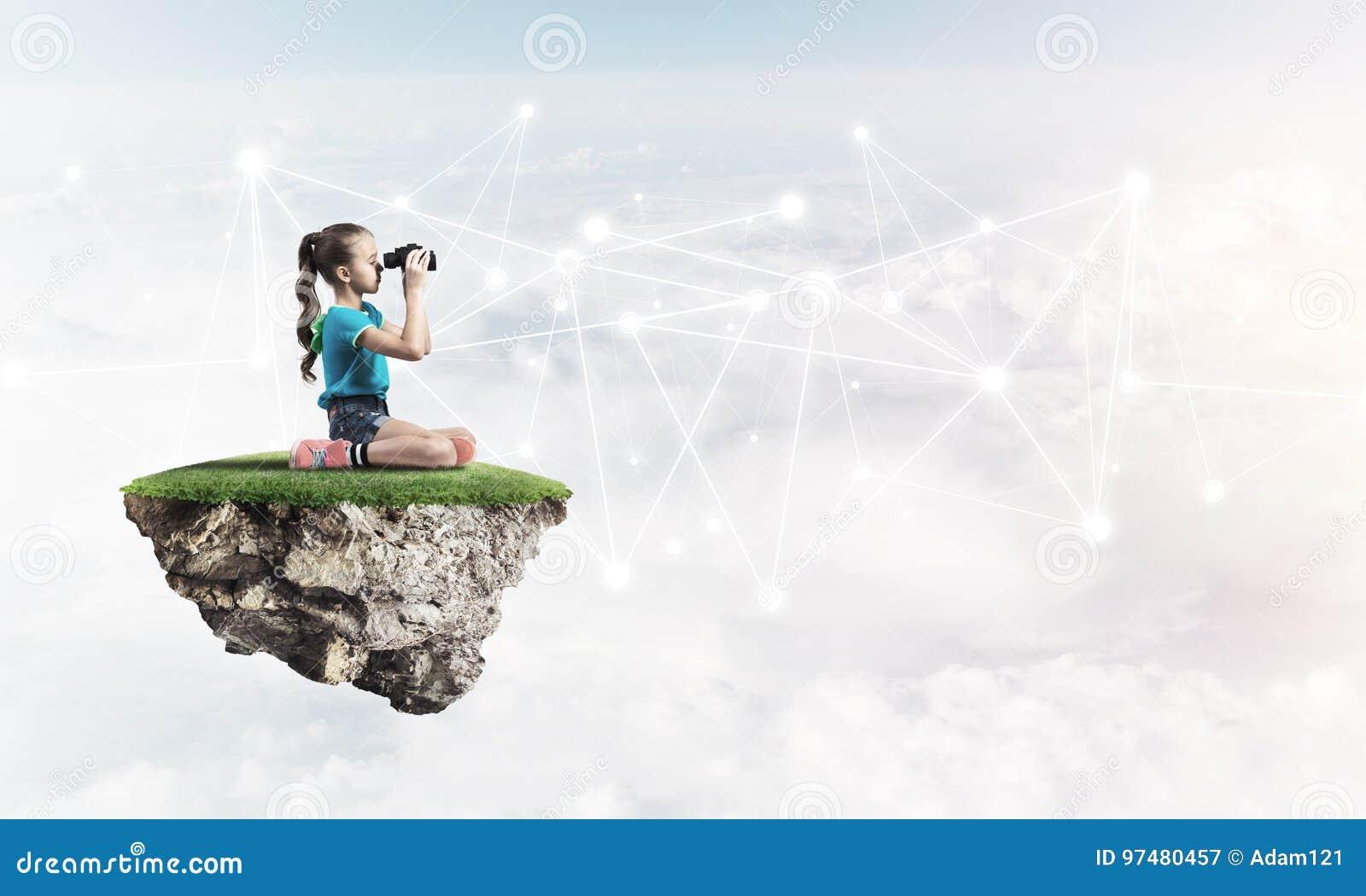 Idea della comunicazione di Internet dei bambini o del controllo del genitore ed online di gioco