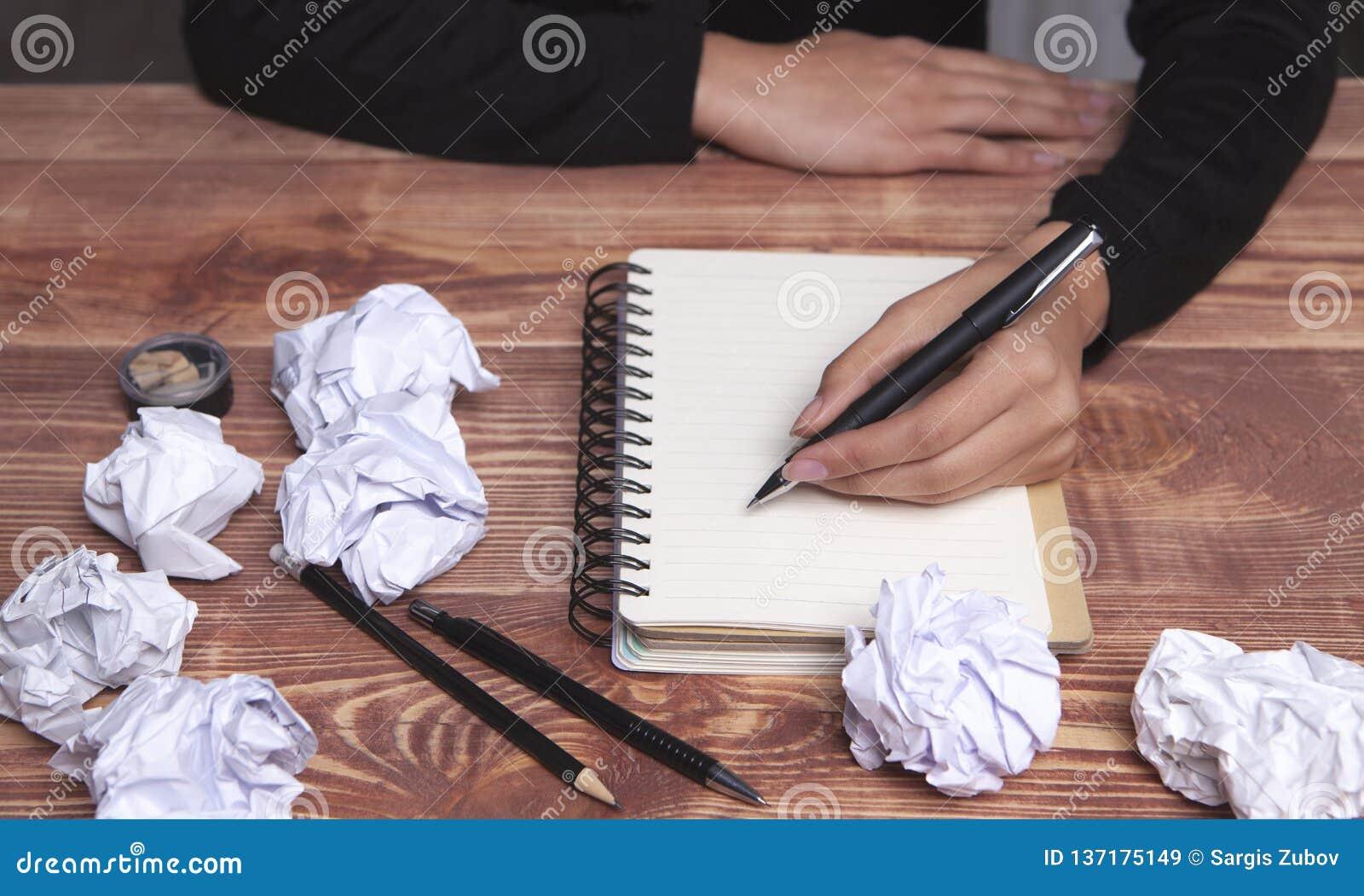 Ideas e inspiración de papel de las manos
