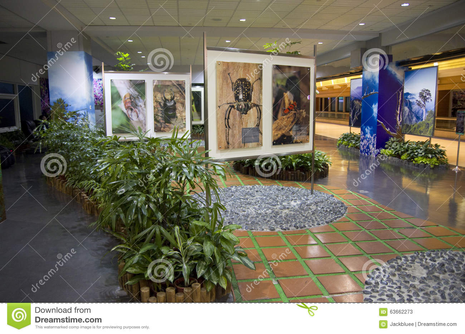 Idee di interior design giardino della sala di attesa for Idee di layout di garage