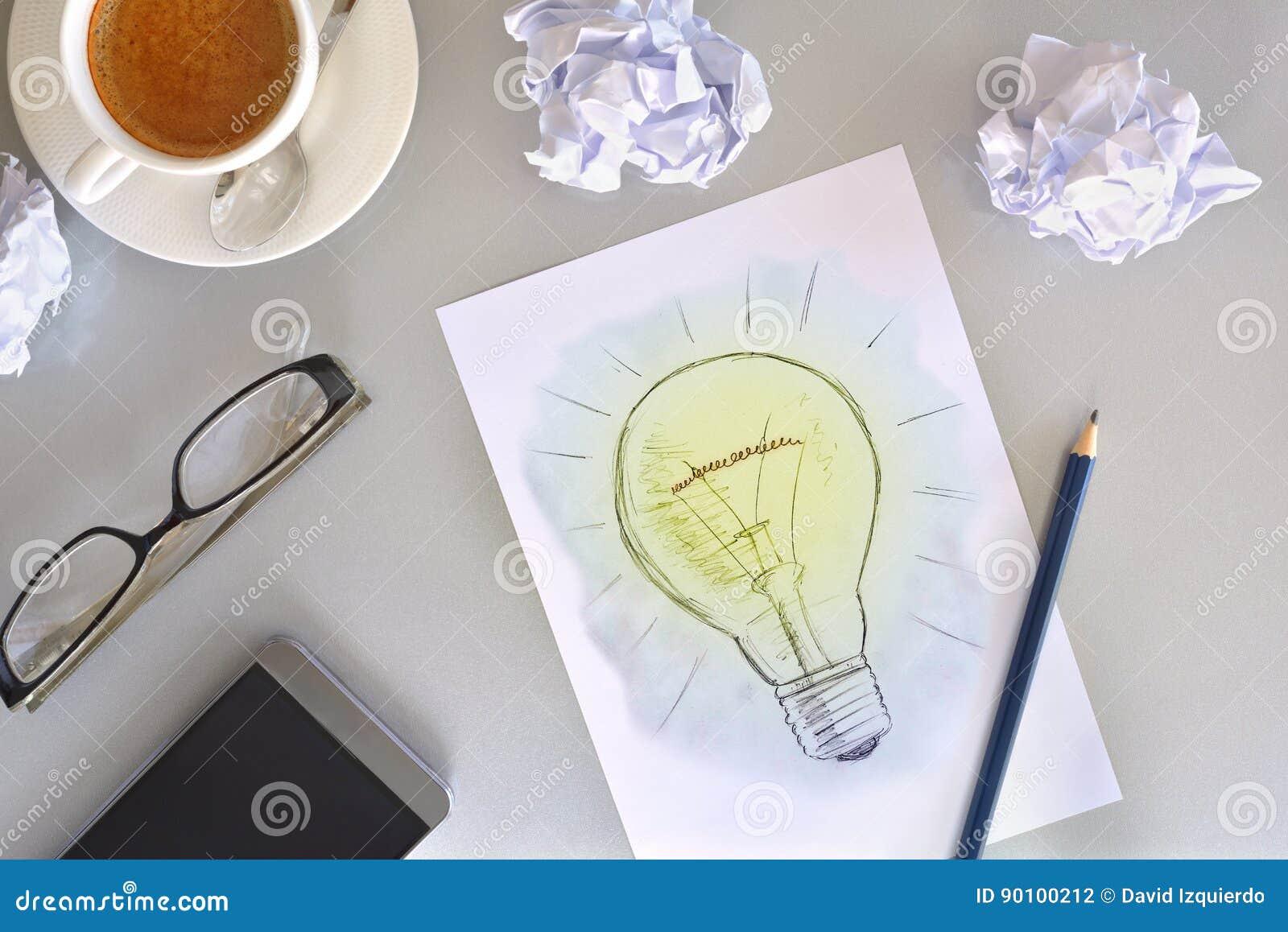Ideenkonzept Mit Der Glühlampe Gezeichnet Auf Blatt Auf