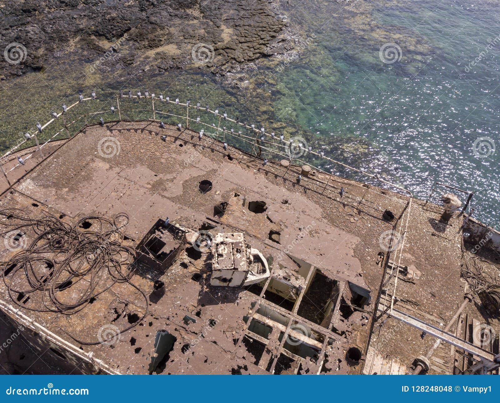Ideia aérea de uma destruição de um navio no Oceano Atlântico Destruição do navio de carga grego: Telamon Lanzarote, Ilhas Canári