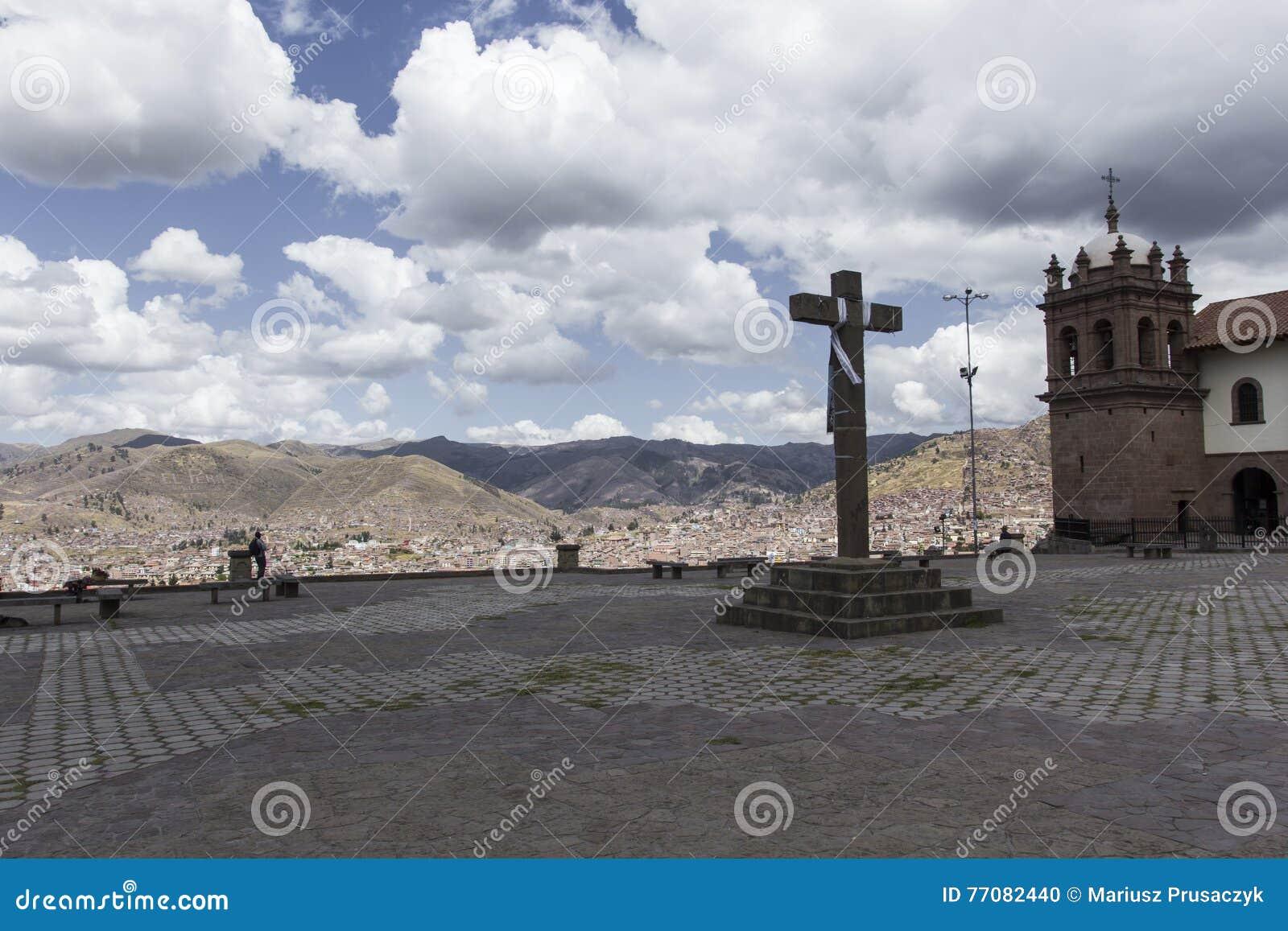 Ideia aérea do quadrado principal na capital dos Incas, Cusco, P