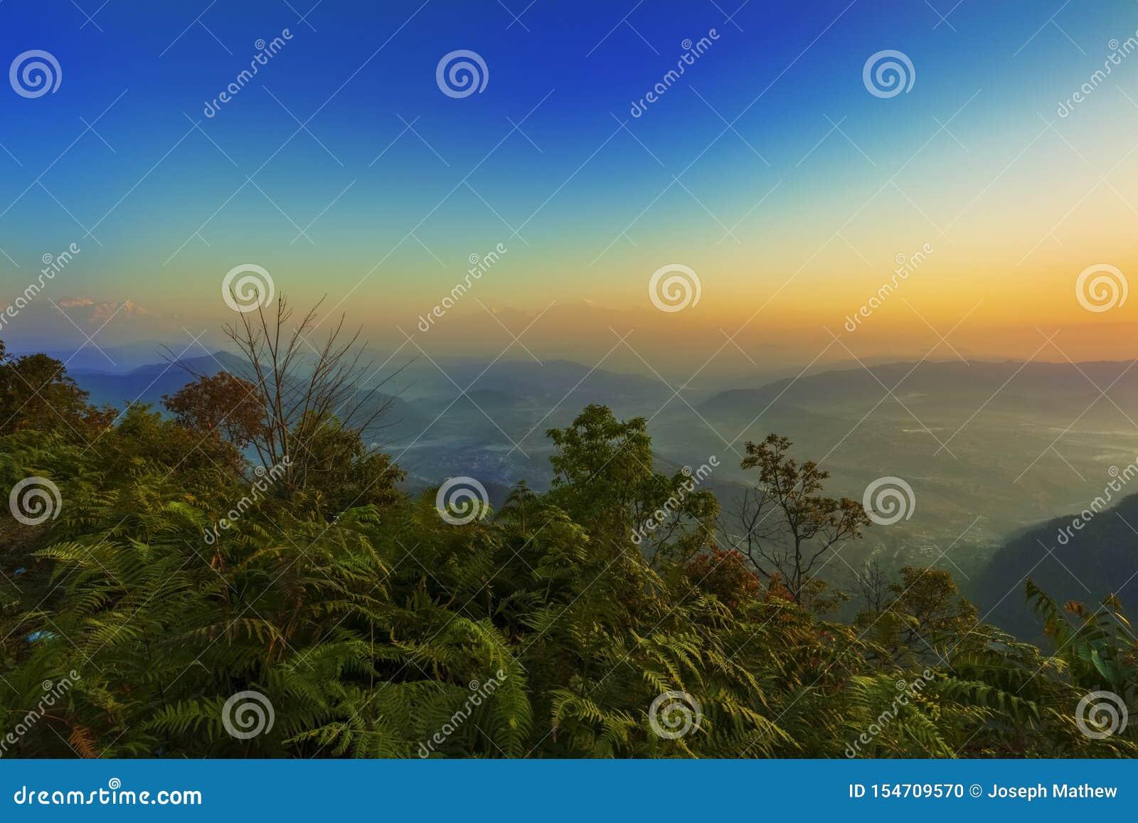 Ideia bonita do sunraise do ponto de opinião de Bandipur
