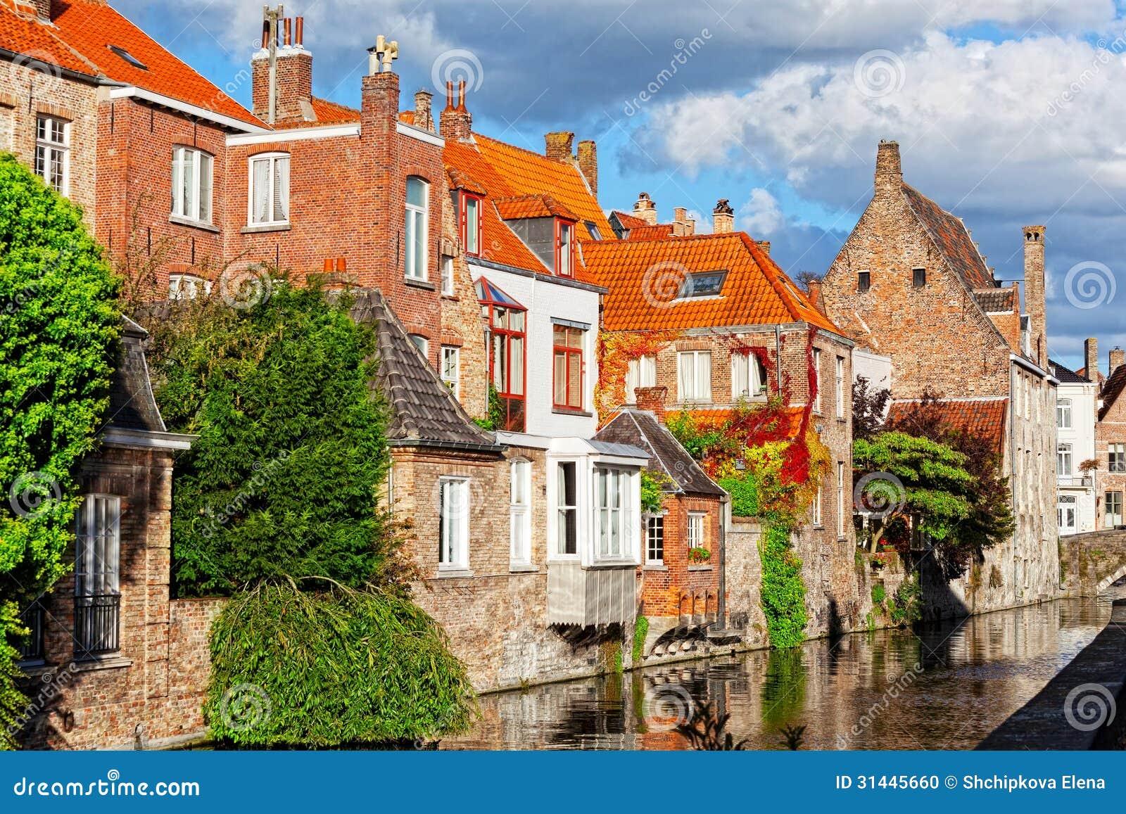 Ideia clássica dos canais de Bruges
