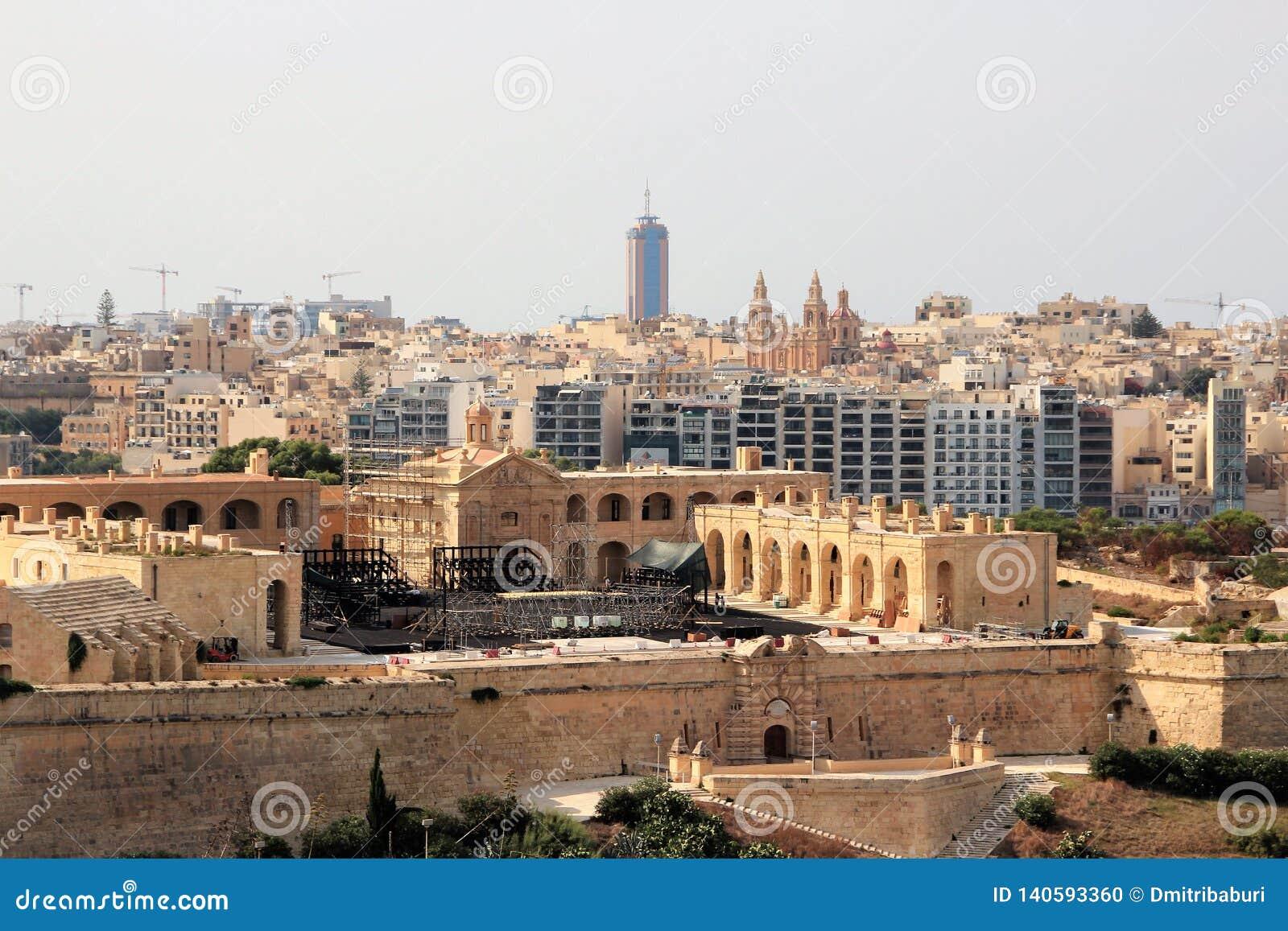 Ideia da capital de Malta do mar, da história e da modernidade