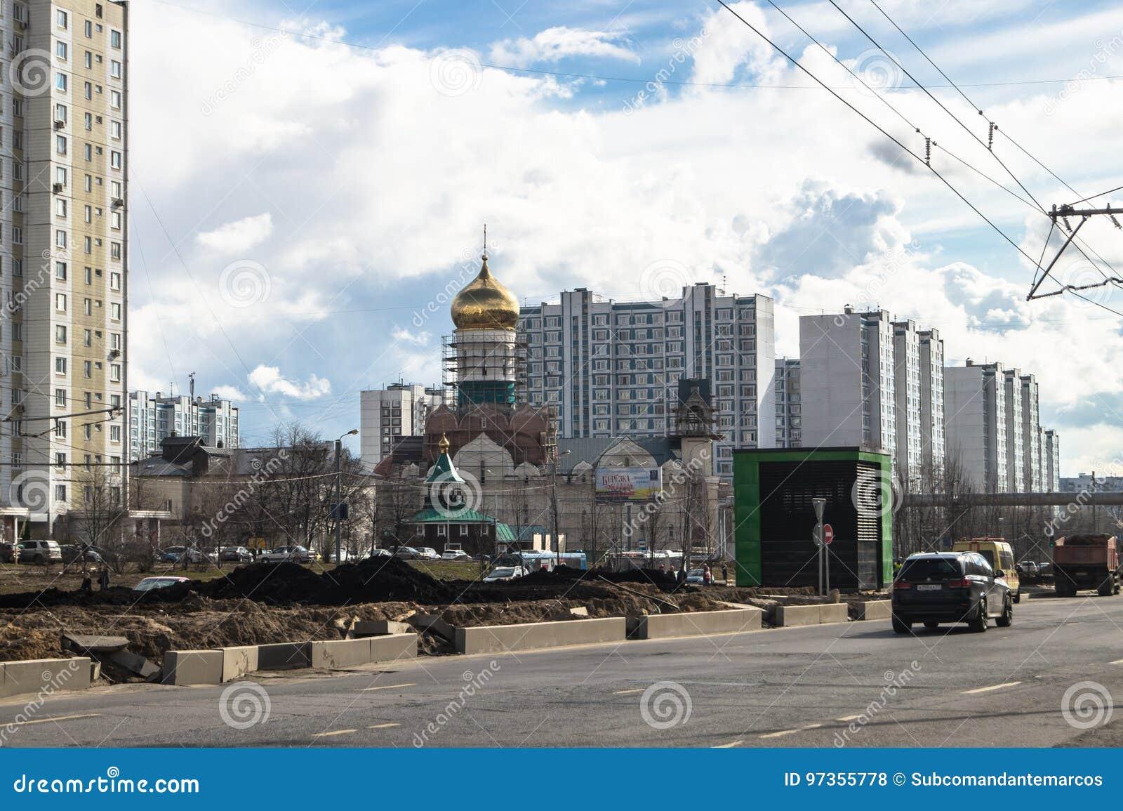 Ideia da reconstrução de Michurinsky Prospekt perto do ` de Ramenki do ` da estação de metro, Moscou