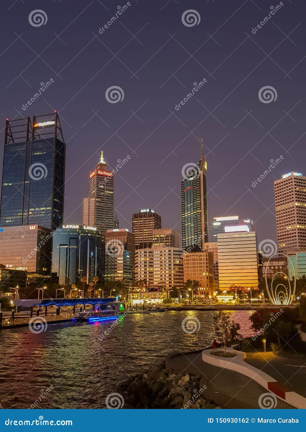 Ideia da skyline do cais de Perth e de elizabeth