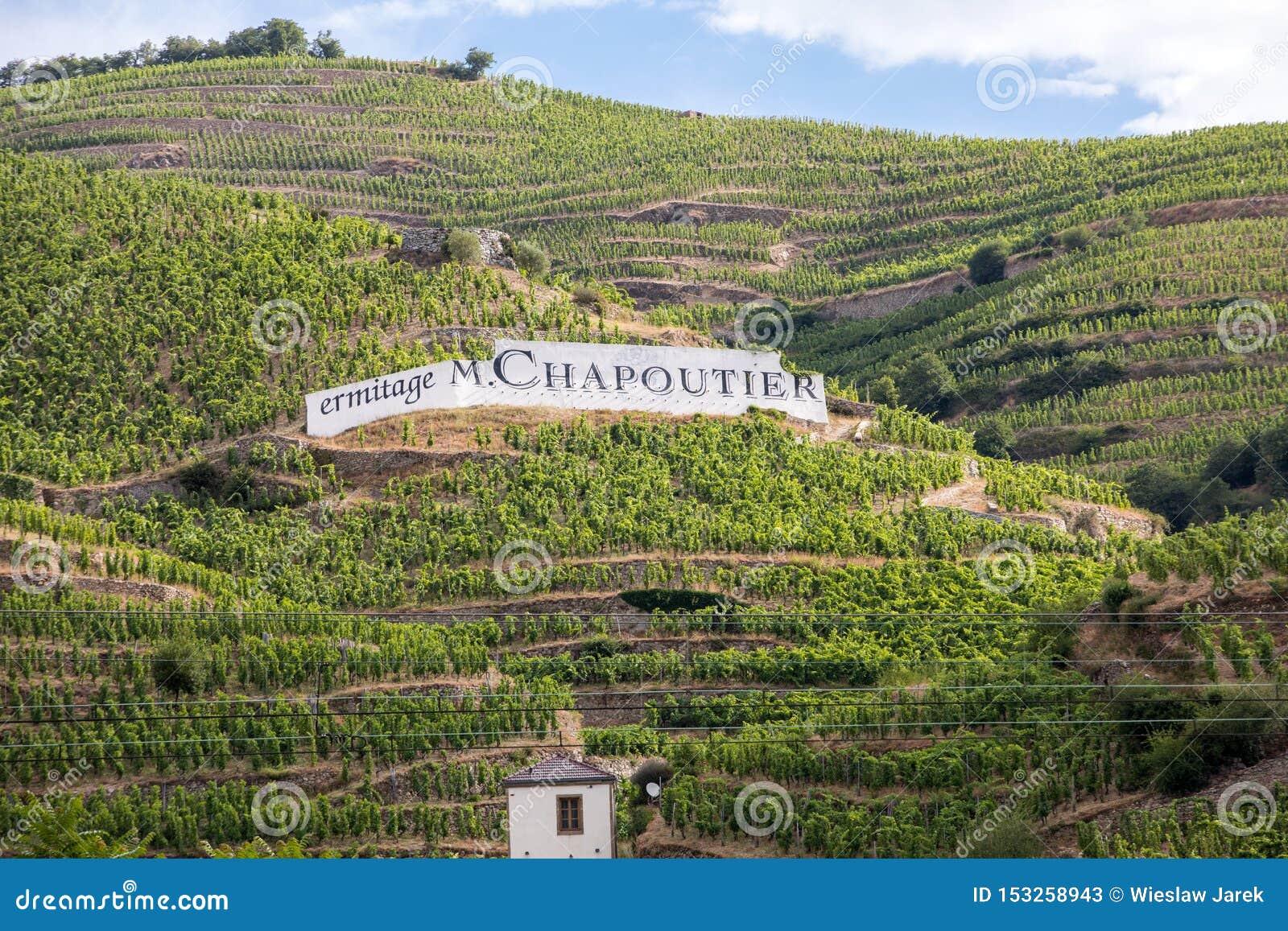Ideia do M Vinhedos do Crozes-eremitério de Chapoutier em Tain l eremitério, vale de Rhone, França