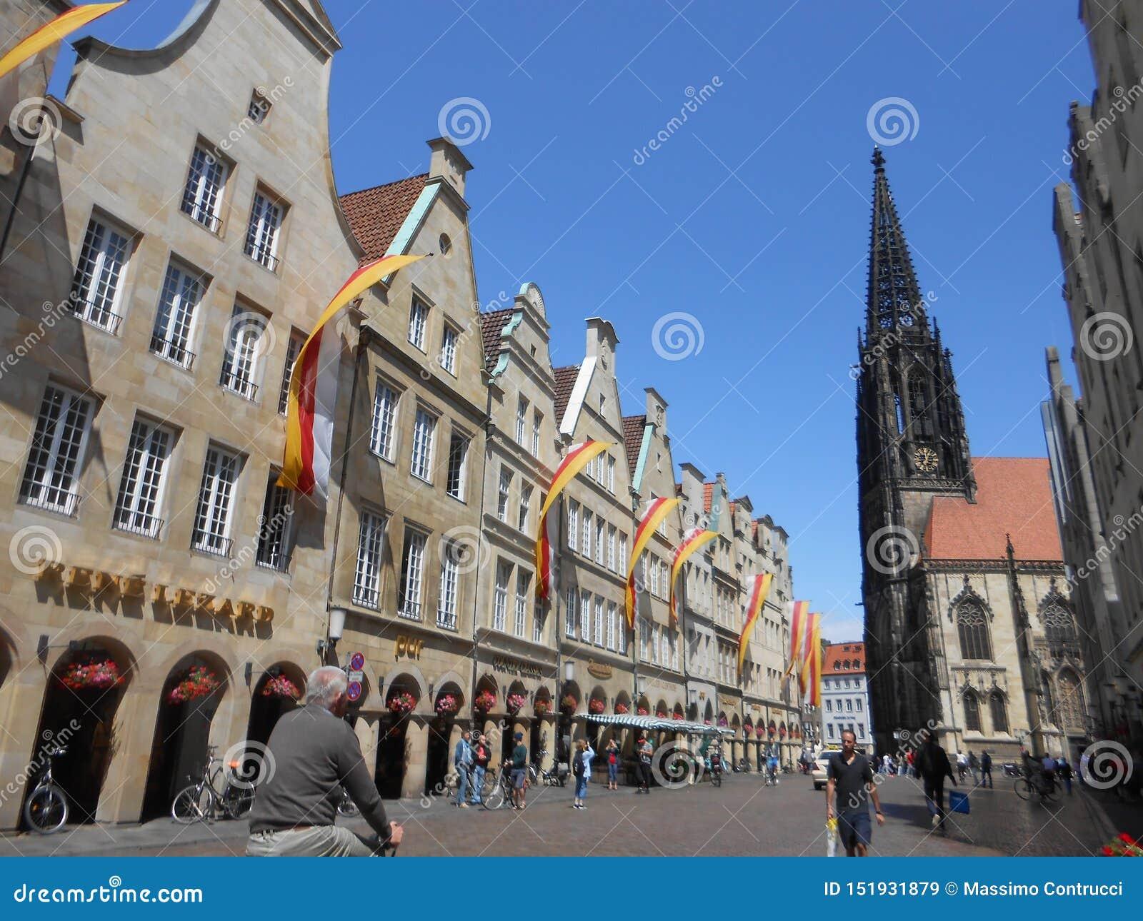 Ideia do quadrado principal em Muenster, Alemanha