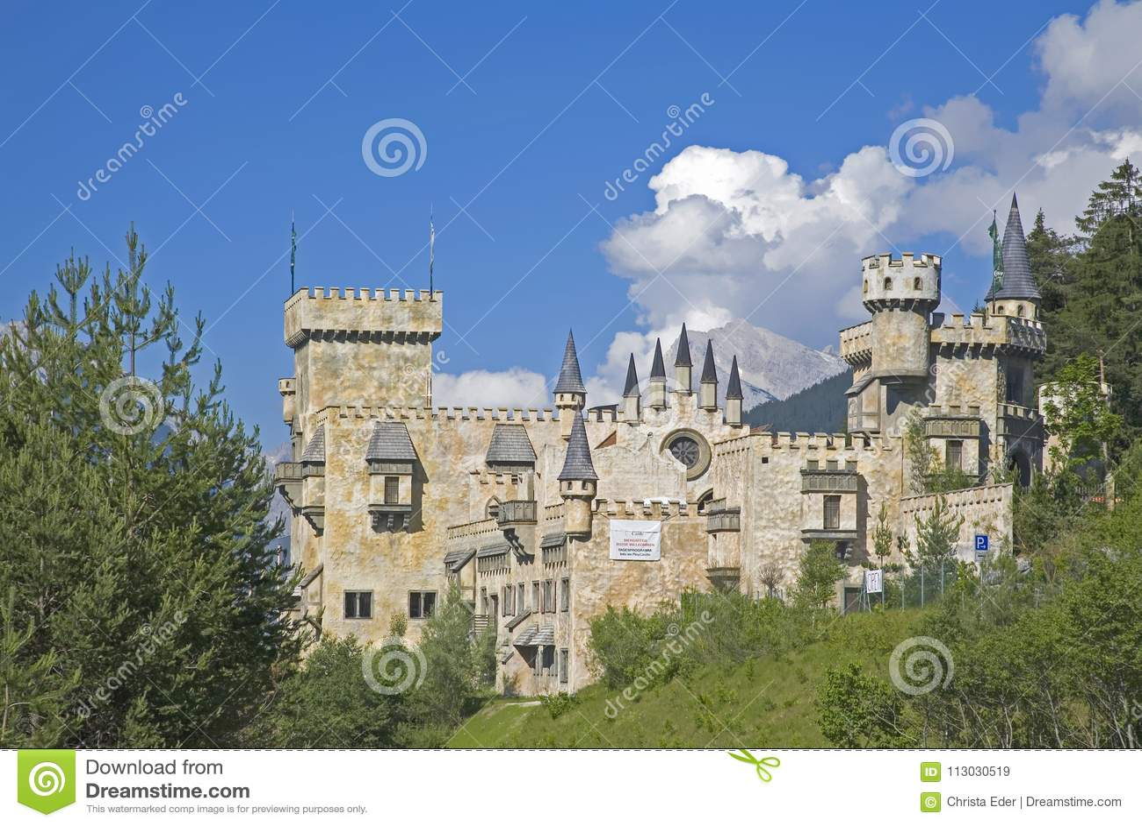 Idilio del castillo en Seefeld en el Tirol