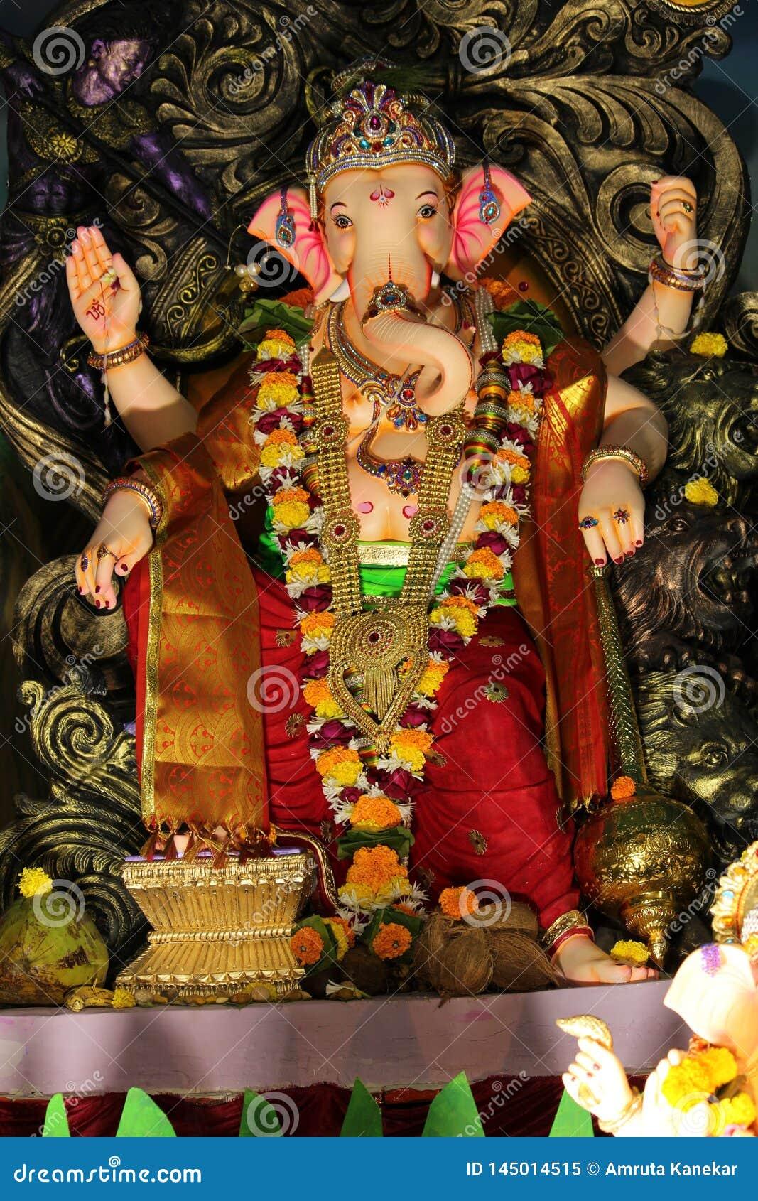 Idol władyka Ganesha podczas festiwalu