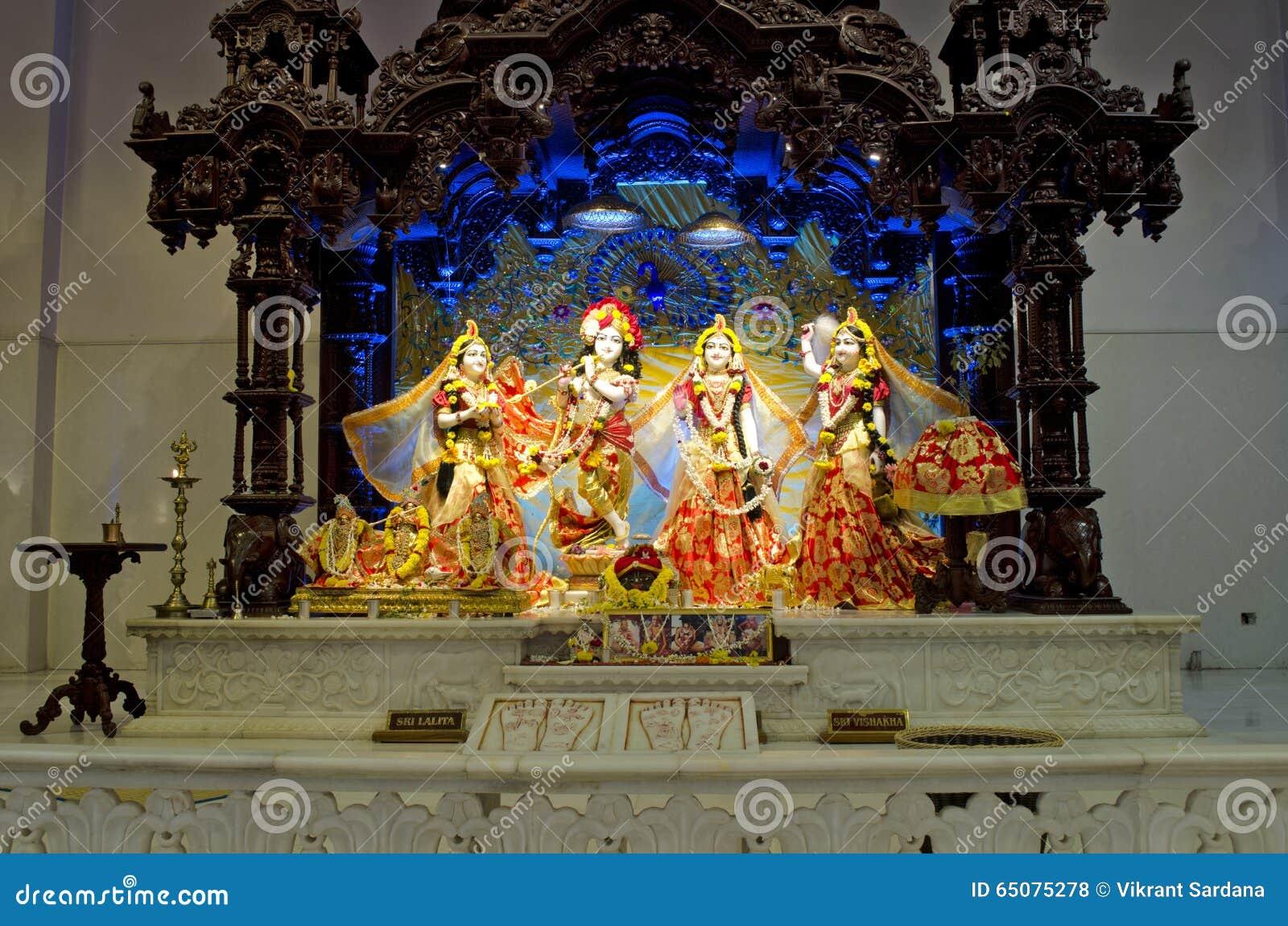 Idoles de Lord Krishna et de Radha dans le temple Chennai d ISKCON