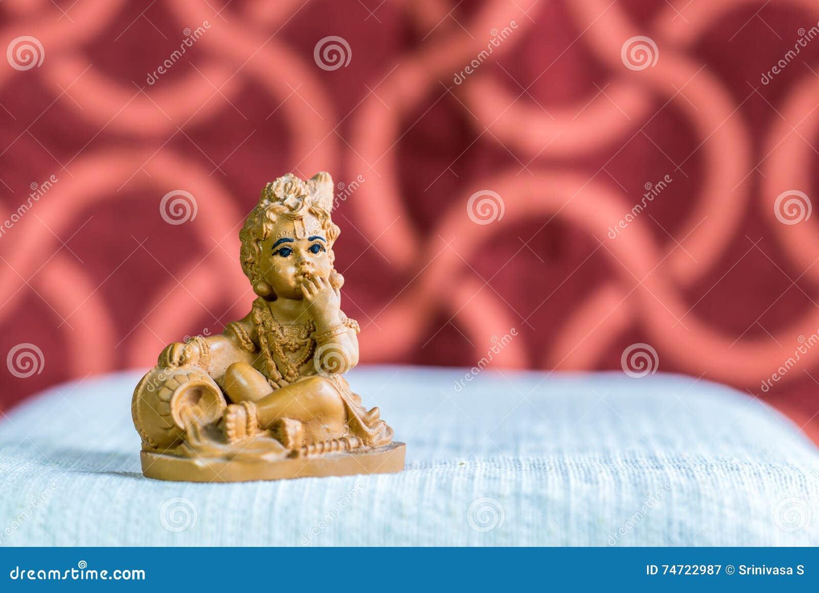 Idool van Lord Krishna in zijn kinderjarenvorm