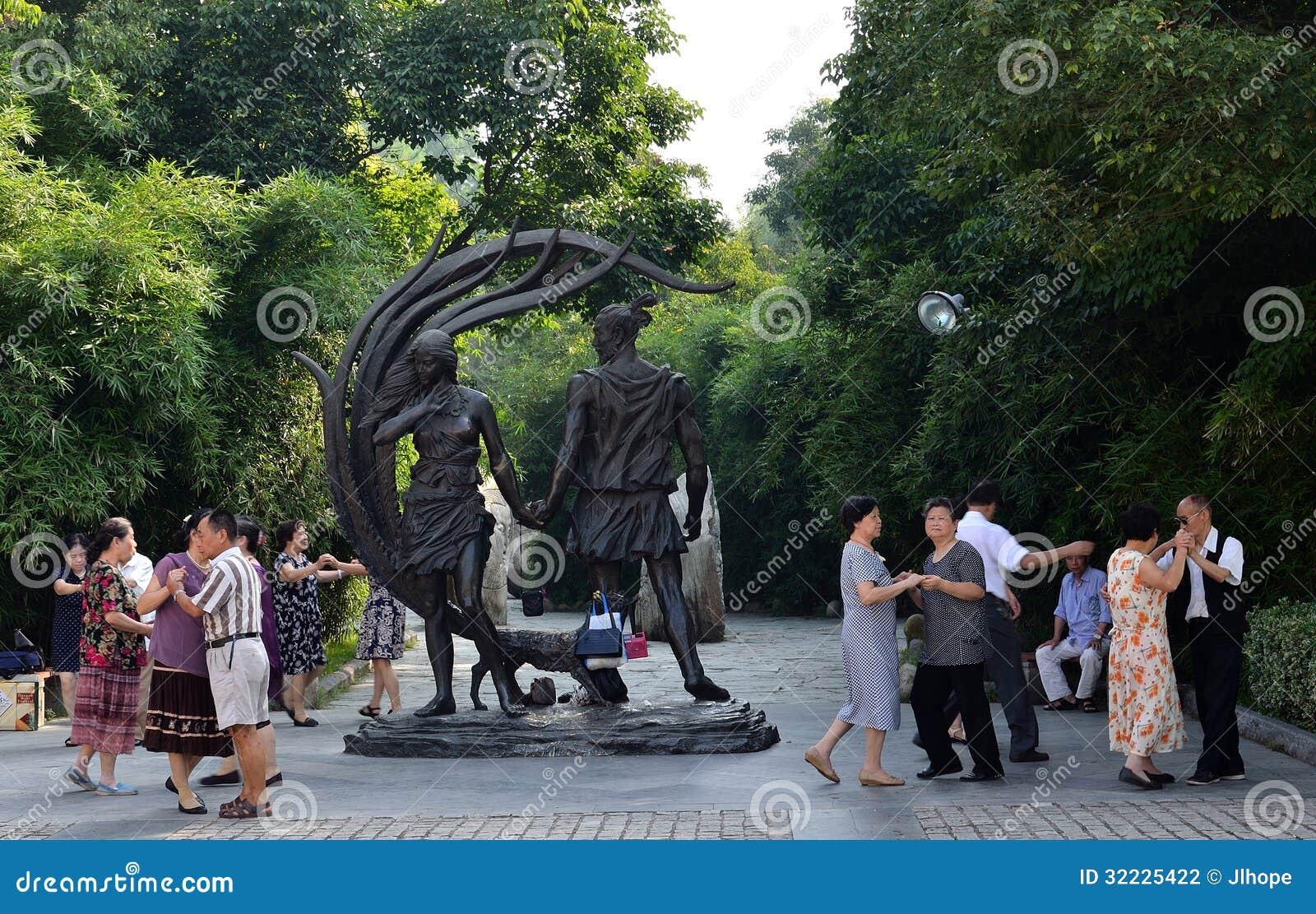 Download Idosos chineses fotografia editorial. Imagem de cidadãos - 32225422