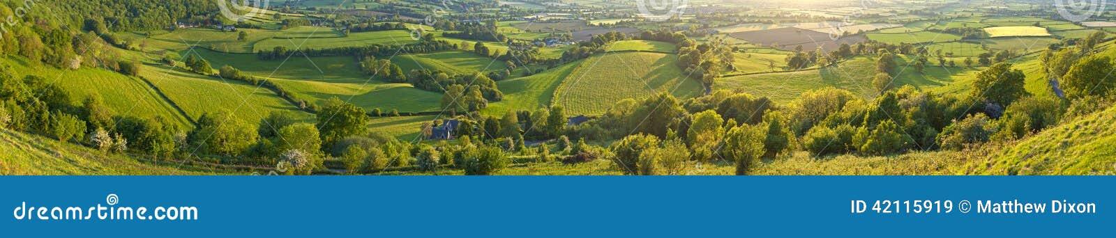 Idylliczny wiejski krajobraz, Cotswolds UK