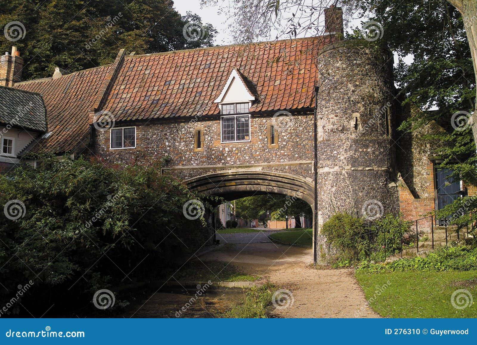 Idyllisch oud engels huis stock foto afbeelding 276310 - Huis verlenging oud huis ...