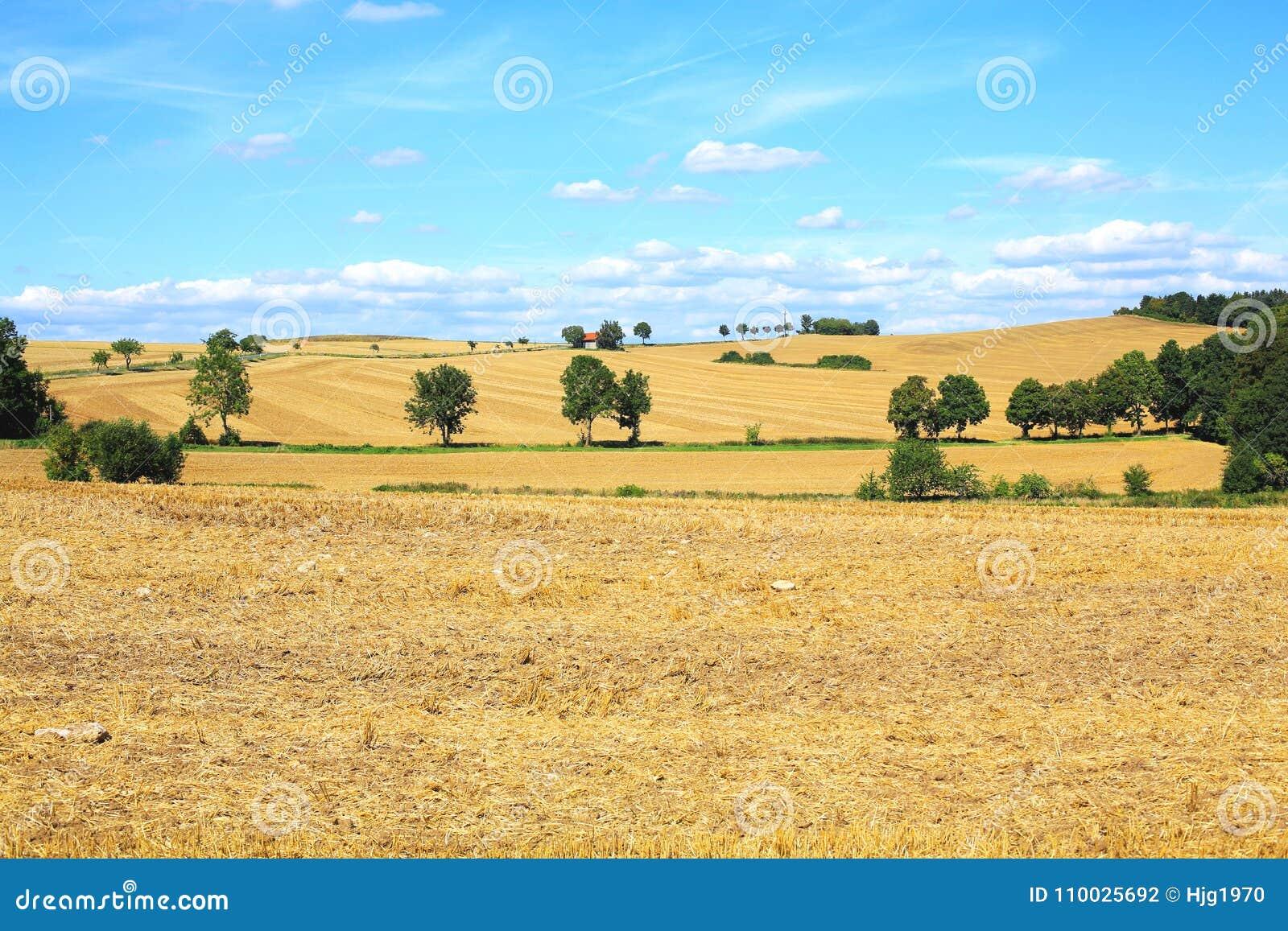 Idyllisch platteland dichtbij Mollenfelde in Hessen, Duitsland
