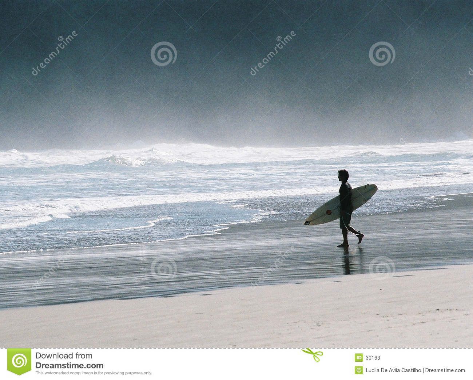 Idzie surfować