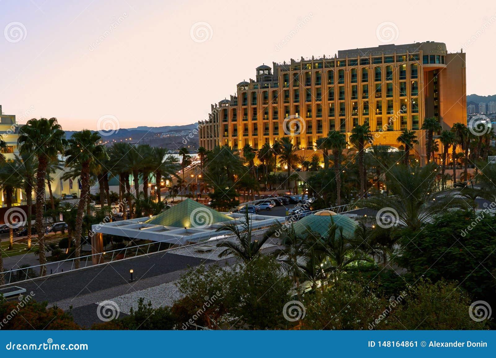Iew захода солнца на гостиницах в Eilat
