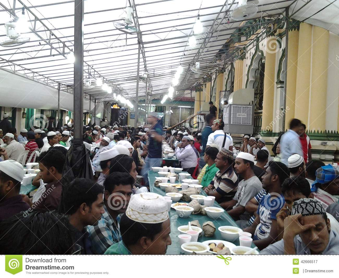 Ifter in Abdul Gafor Mosque, Singapore
